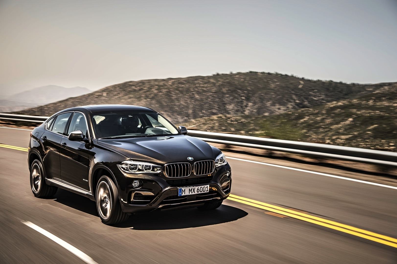 2016 bmw f16 x6 unveiled in all its glory. Black Bedroom Furniture Sets. Home Design Ideas