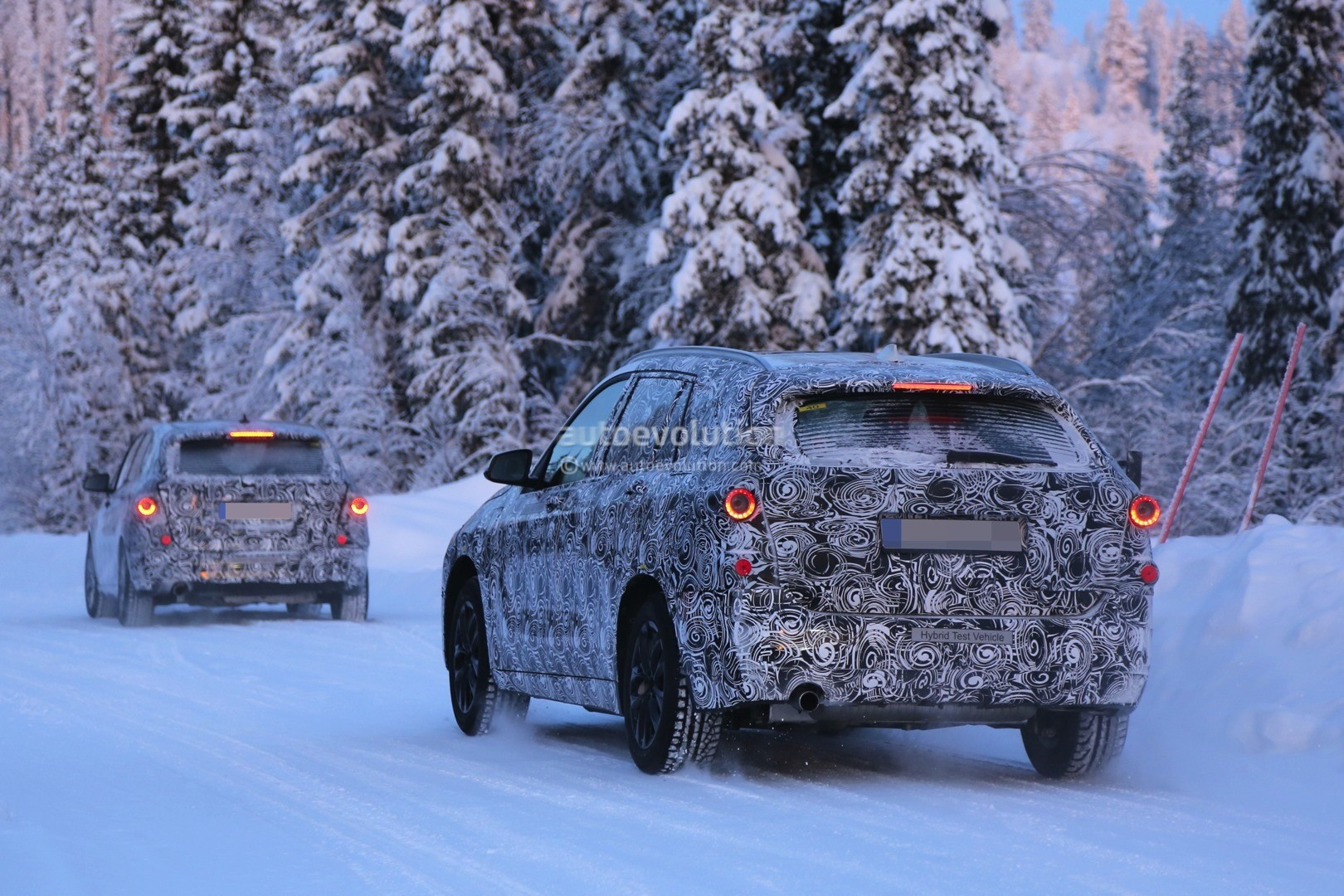2016 bmw f48 x1 7 seater spied during winter testing. Black Bedroom Furniture Sets. Home Design Ideas