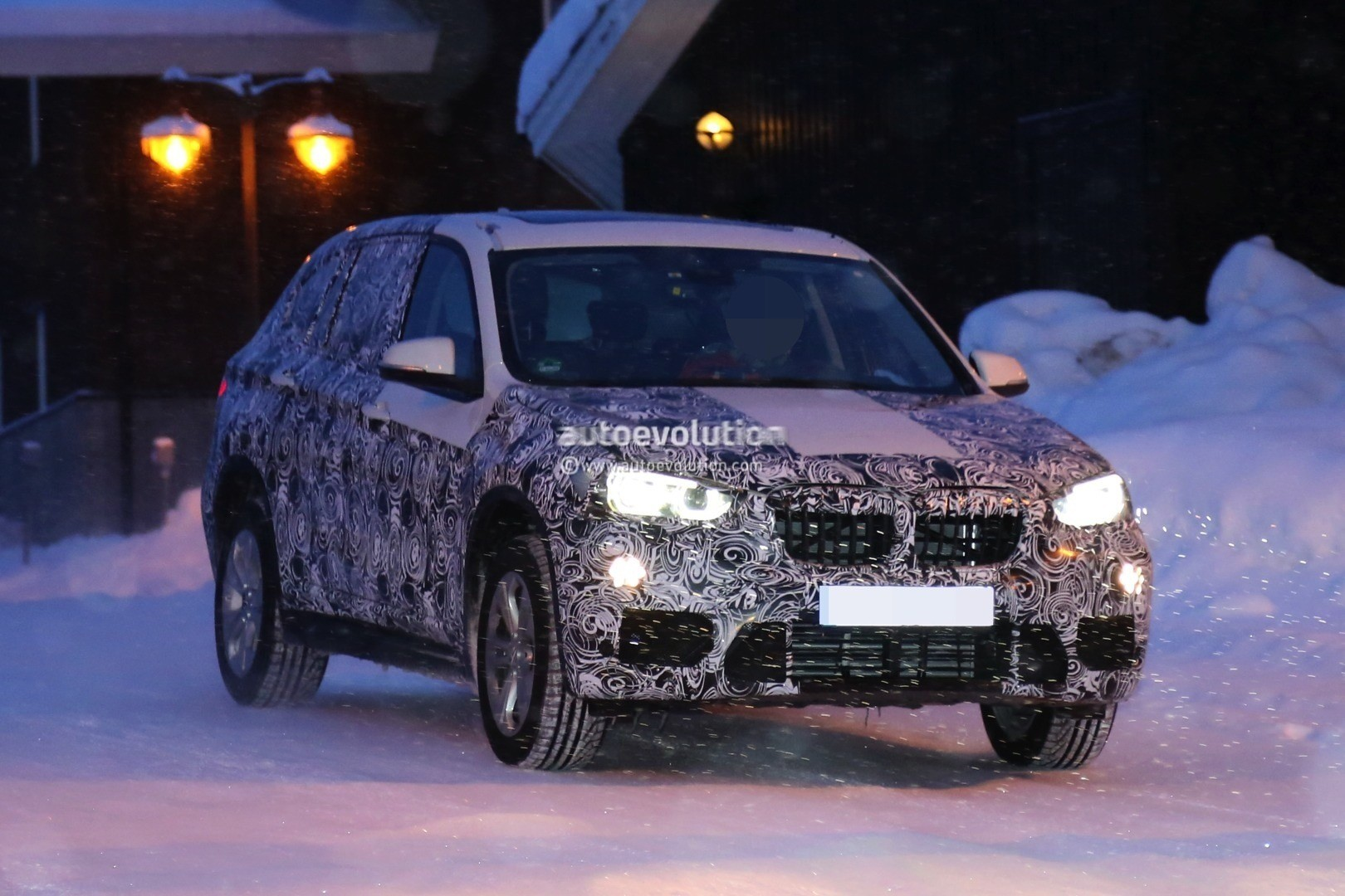 2016 bmw f48 x1 spied in production guise shows led fog. Black Bedroom Furniture Sets. Home Design Ideas