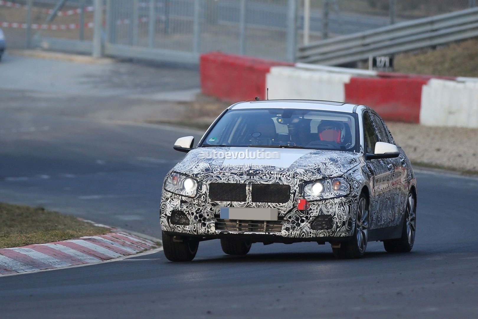 2016 - [BMW] Série 1 Sedan [F52] - Page 4 2016-bmw-f52-1-series-sedan-spotted-testing-fwd-platform-on-nurburgring-photo-gallery_1