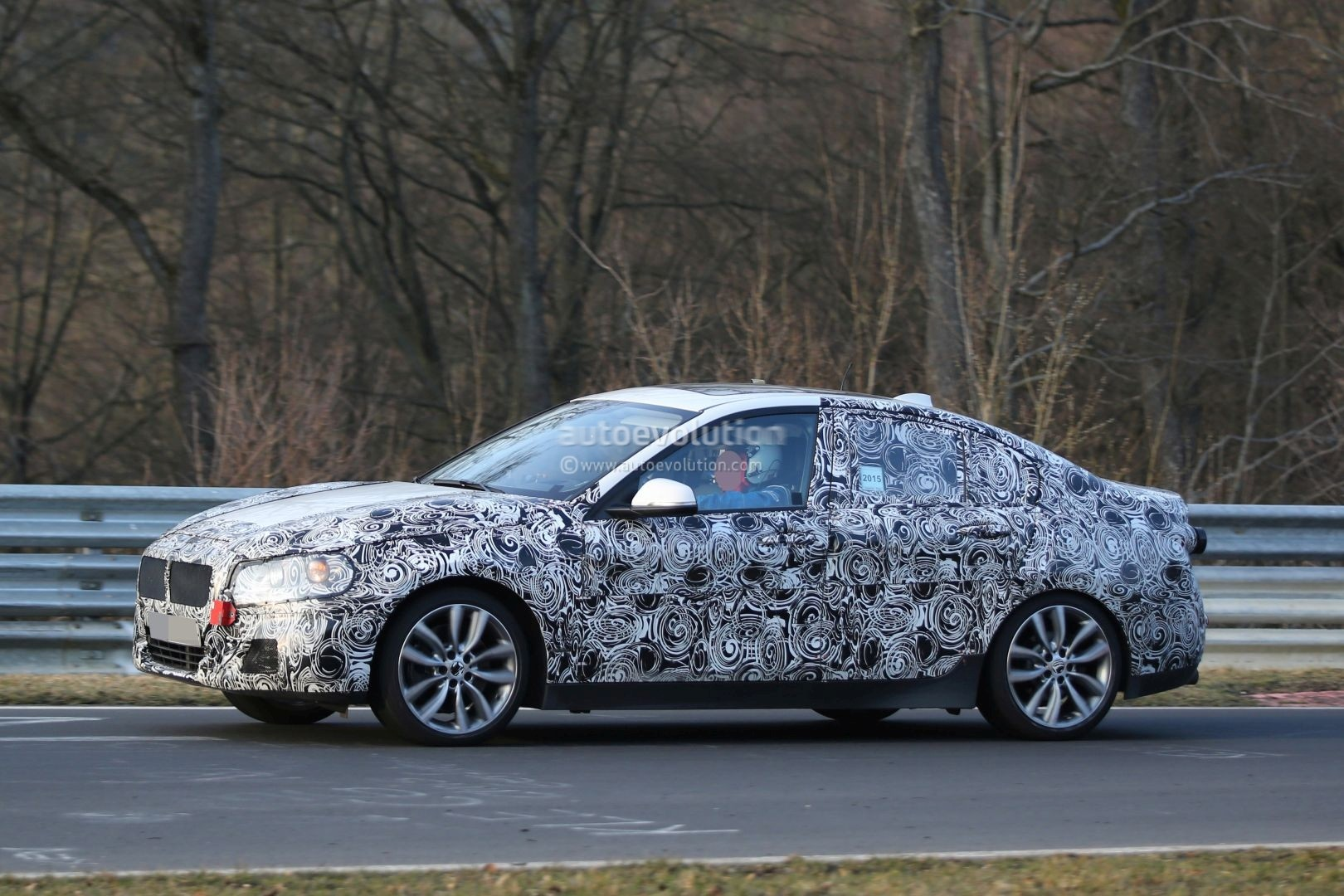 2016 - [BMW] Série 1 Sedan [F52] - Page 4 2016-bmw-f52-1-series-sedan-spotted-testing-fwd-platform-on-nurburgring-photo-gallery_3