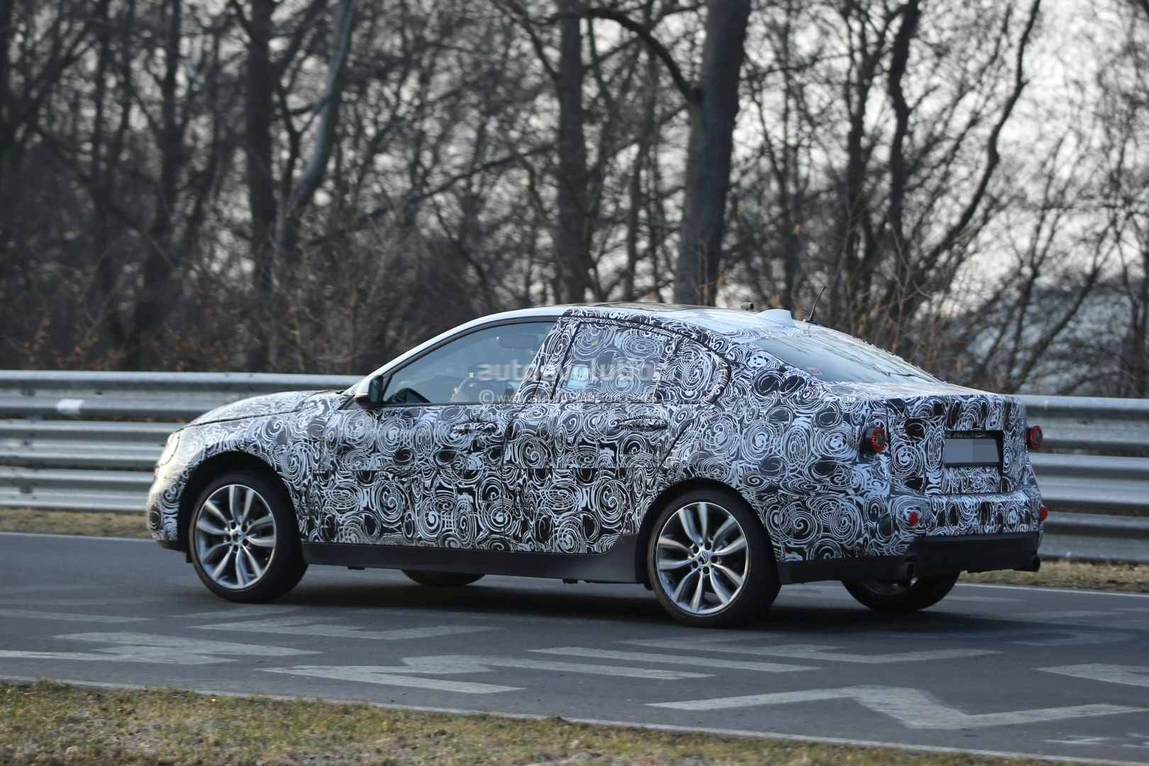 2016 - [BMW] Série 1 Sedan [F52] - Page 4 2016-bmw-f52-1-series-sedan-spotted-testing-fwd-platform-on-nurburgring-photo-gallery_5