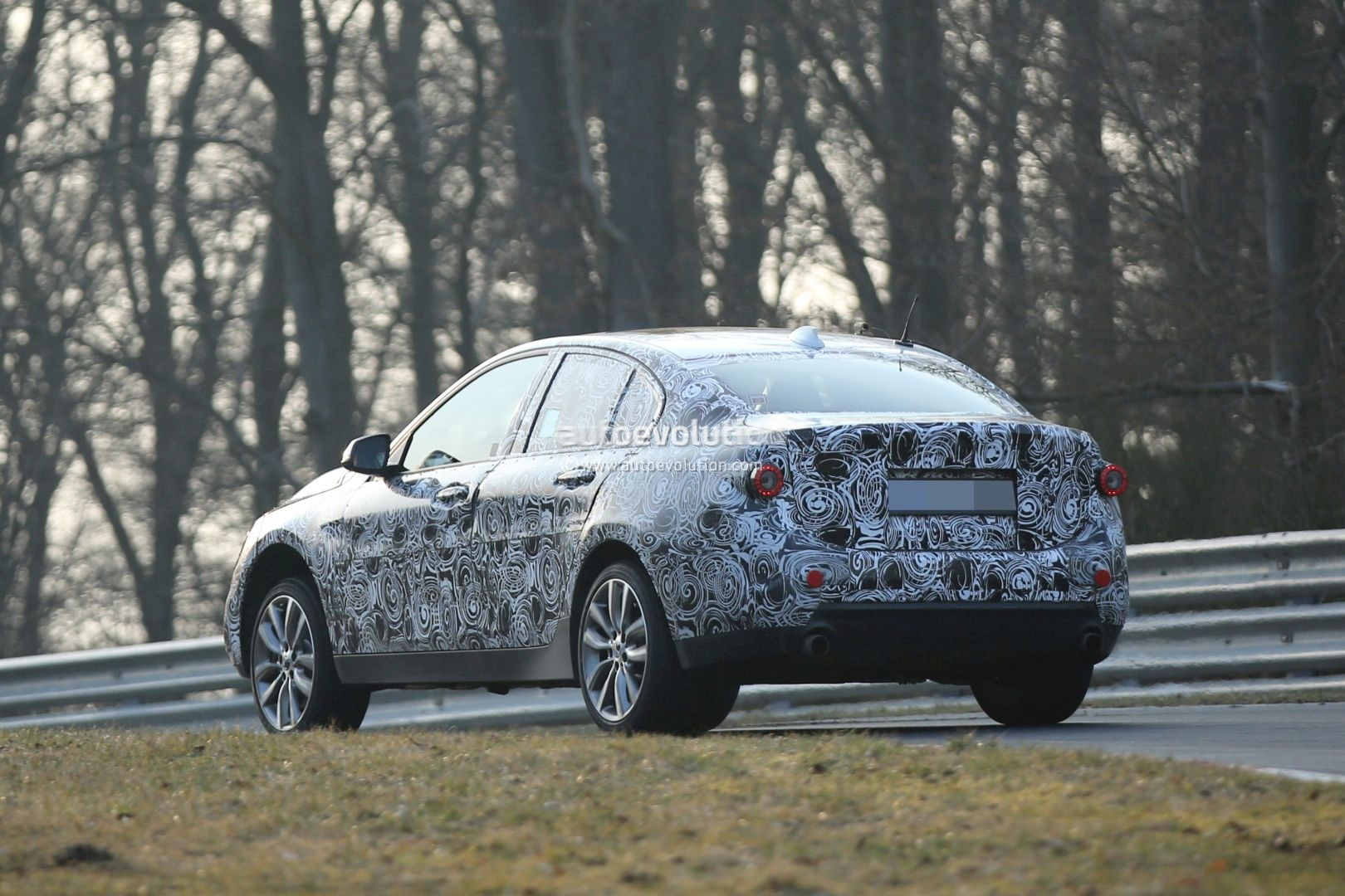 2016 - [BMW] Série 1 Sedan [F52] - Page 4 2016-bmw-f52-1-series-sedan-spotted-testing-fwd-platform-on-nurburgring-photo-gallery_7