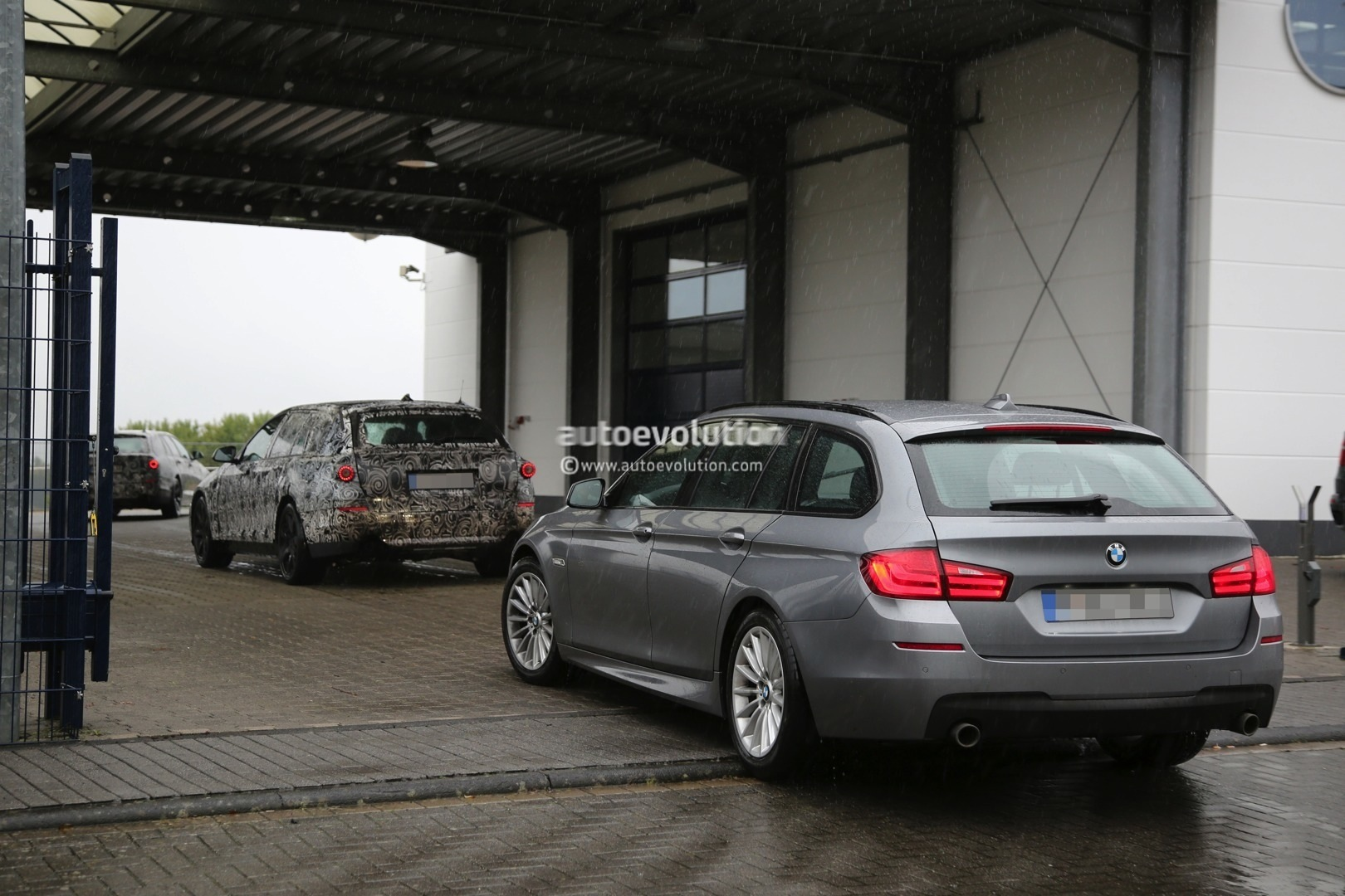 2016 bmw g31 5 series touring spied breaking down. Black Bedroom Furniture Sets. Home Design Ideas