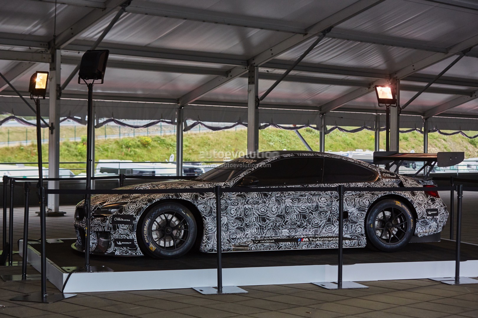 2016 Bmw M6 Gt3 Caught On Camera At The Spa Francorchamps 24 Hour Race Autoevolution