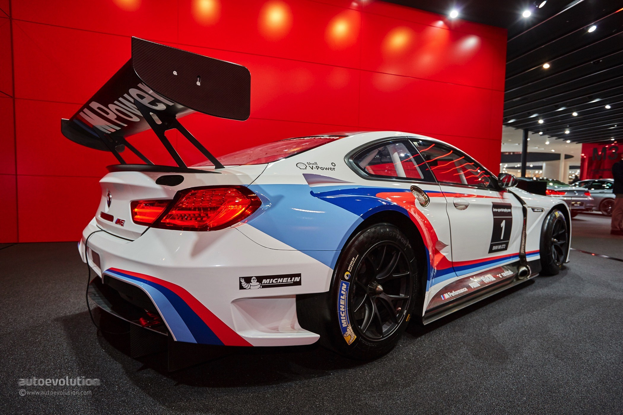 2016 Bmw M6 Gt3 Is The Definition Of Eye Candy At Frankfurt Autoevolution