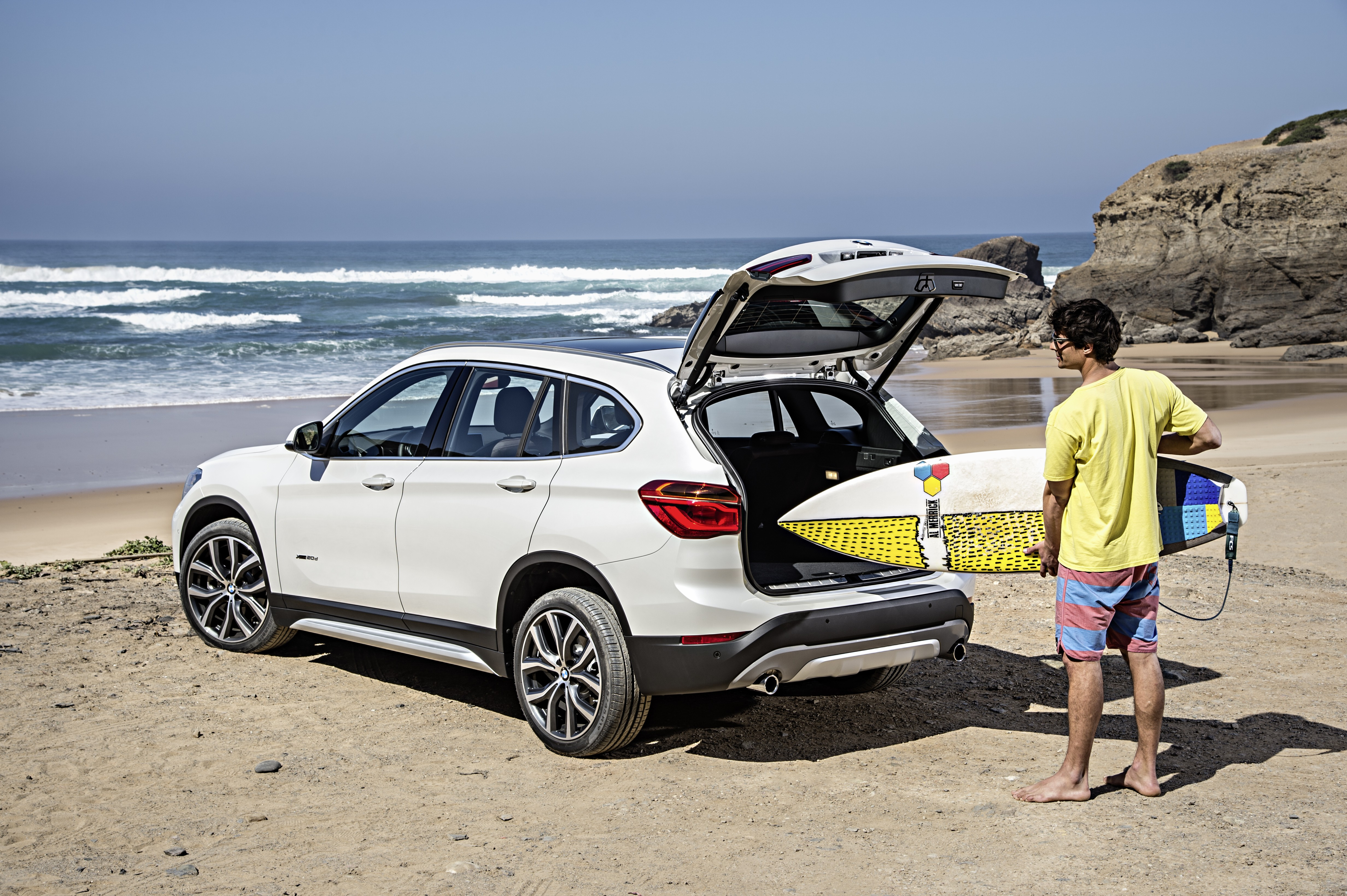 2016 bmw x1 world premiere the new crossover is finally. Black Bedroom Furniture Sets. Home Design Ideas