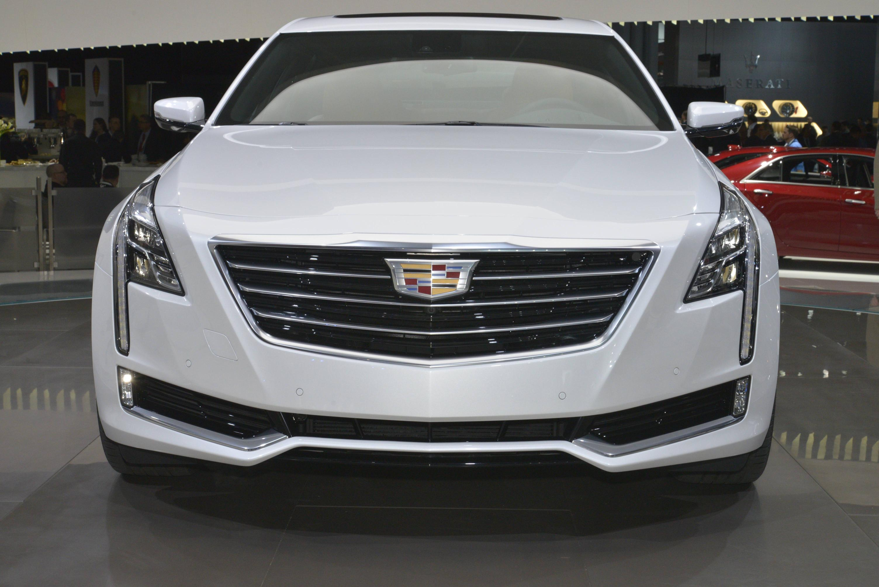 2016 Cadillac Ct6 Leaked Ahead Of Nyias Debut Autoevolution