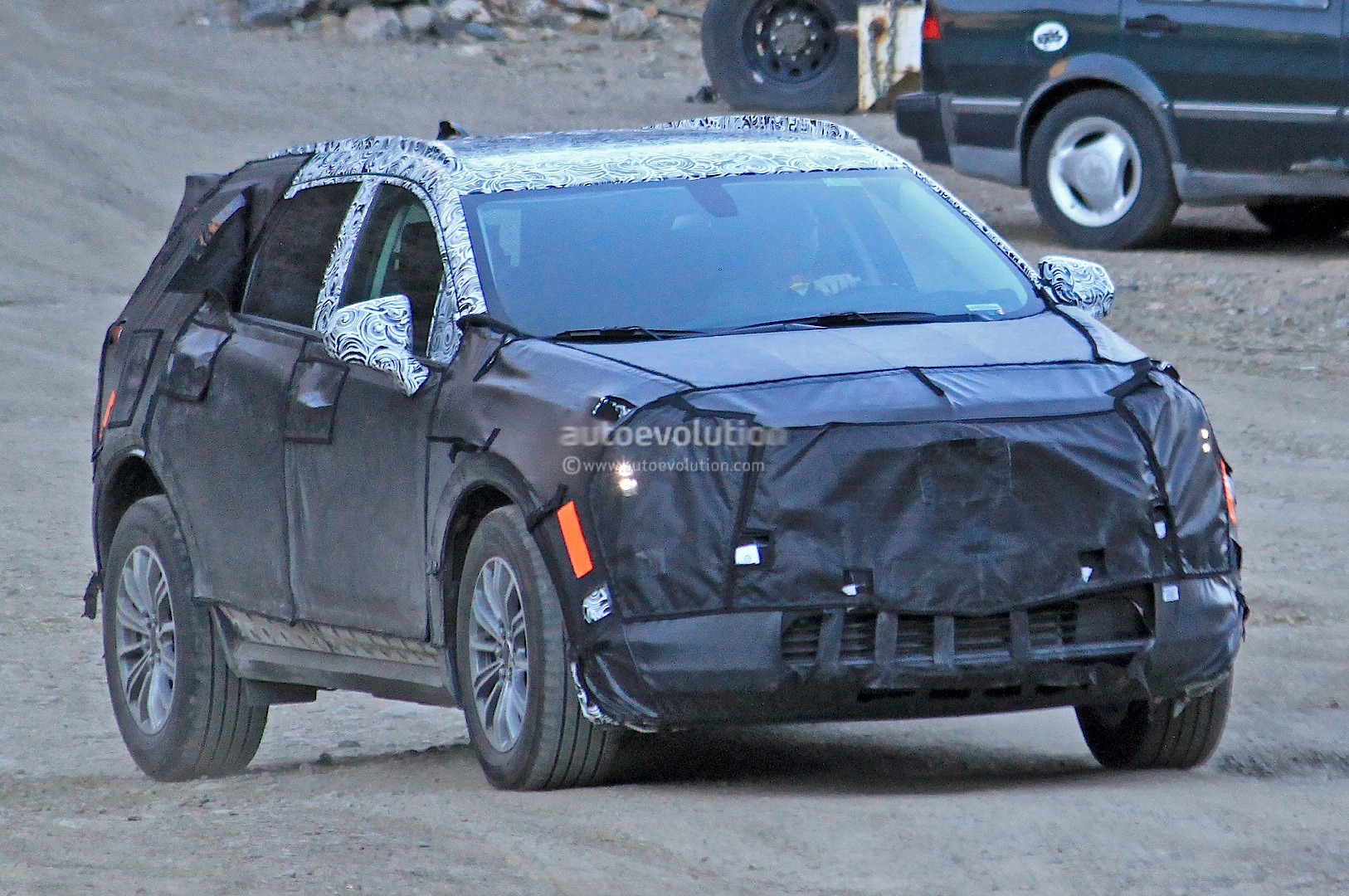 2016 cadillac xt5 spied will replace the srx autoevolution. Black Bedroom Furniture Sets. Home Design Ideas