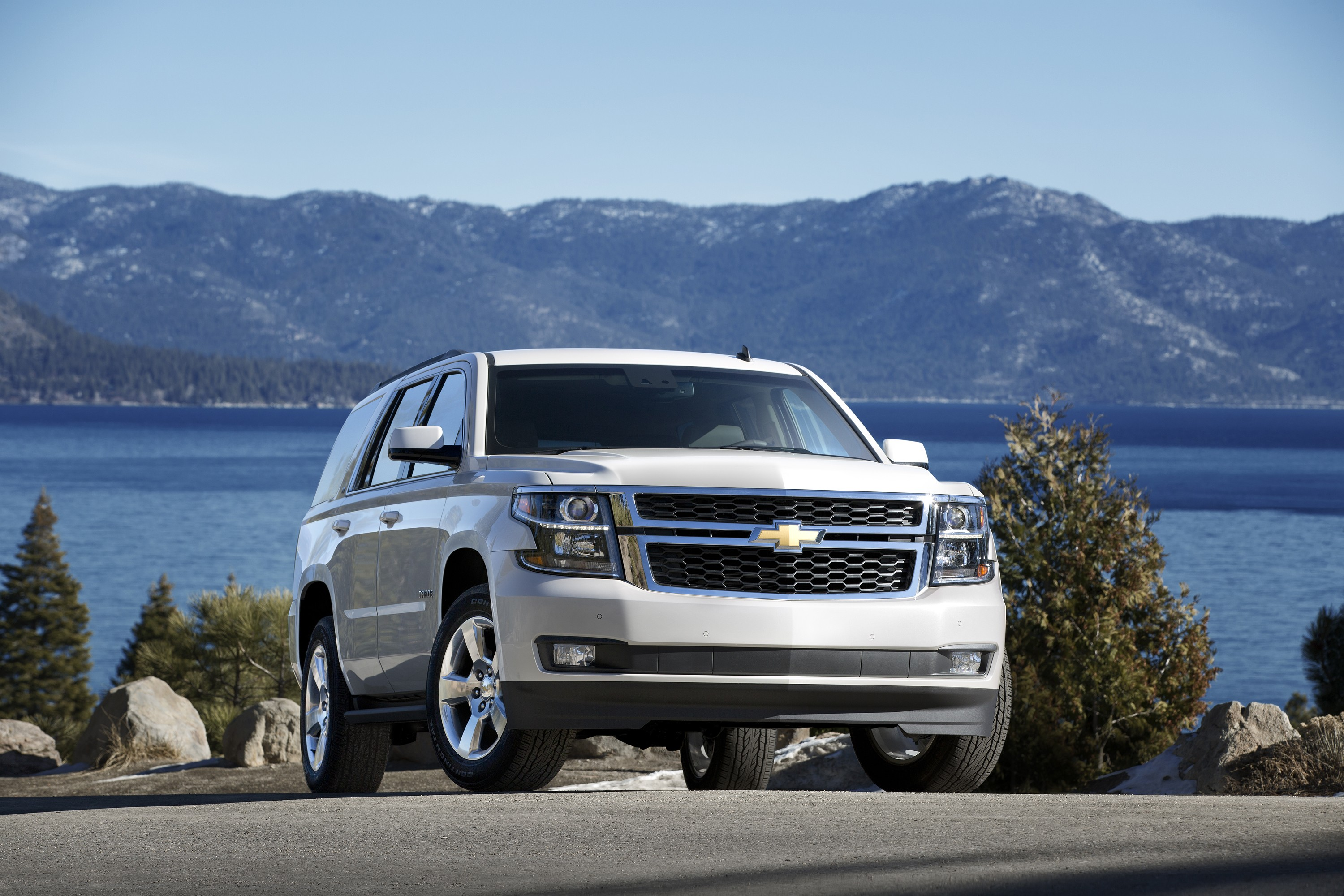 2016 chevrolet tahoe updates detailed hud and intellibeam headlamps included autoevolution. Black Bedroom Furniture Sets. Home Design Ideas