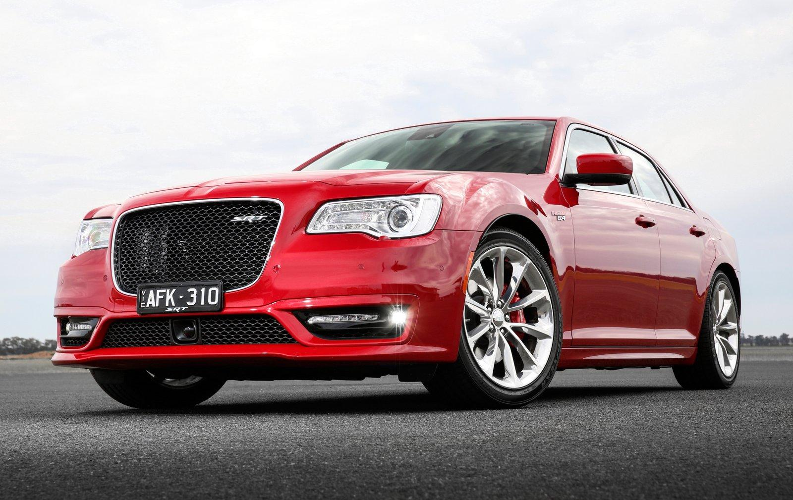 Chrysler 300 2016 Hemi >> 2016 Chrysler 300 SRT Earns 6.4L HEMI V8, Not Available in the United States of America ...