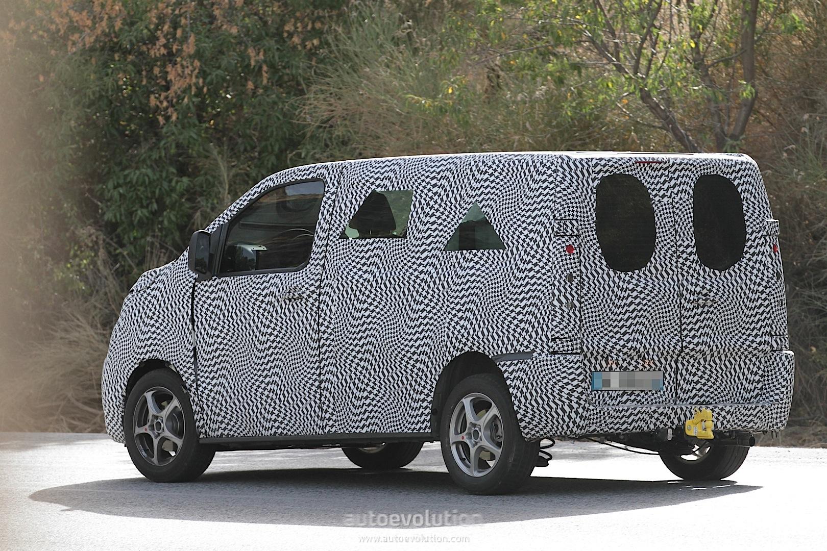 2016 - [Citroën/Peugeot/Toyota] SpaceTourer/Traveller/ProAce - Page 3 2016-citroen-jumpy-peugeot-expert-spied-photo-gallery_12