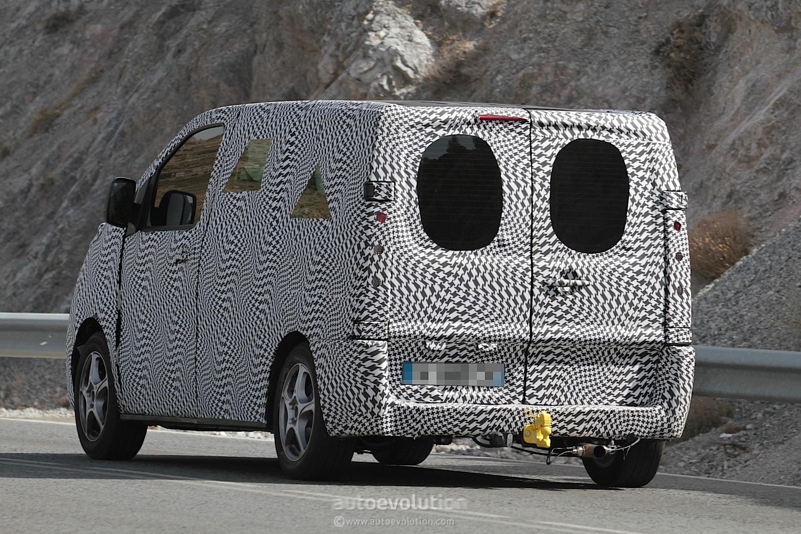 2016 - [Citroën/Peugeot/Toyota] SpaceTourer/Traveller/ProAce - Page 3 2016-citroen-jumpy-peugeot-expert-spied-photo-gallery_7