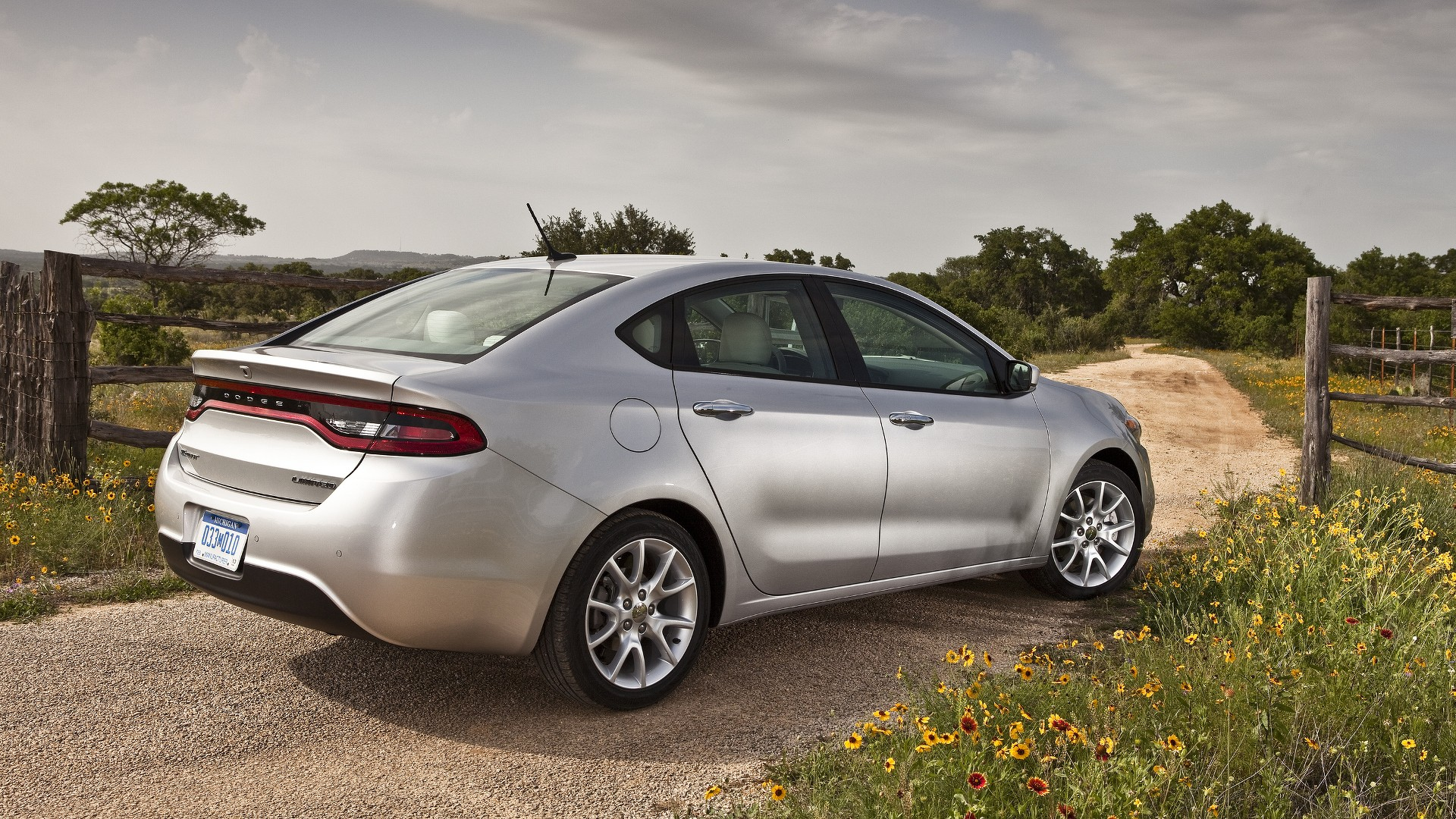 2016 Dodge Dart Introduced It s $1 400 Cheaper than the 2015 Model
