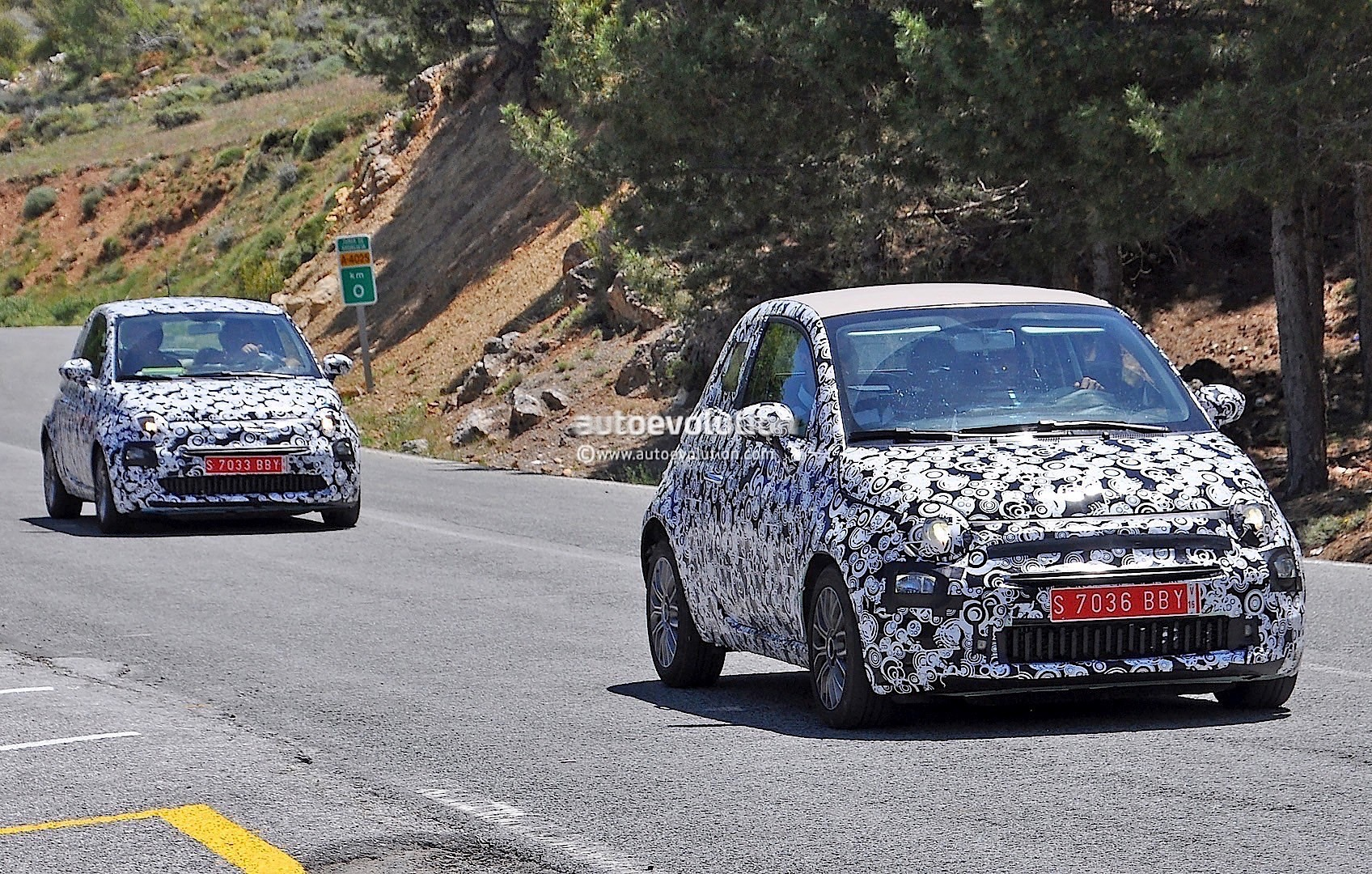 2015 - [Fiat] 500 Restylée - Page 12 2016-fiat-500-facelift-spied-testing-under-the-summer-sun-photo-gallery_2