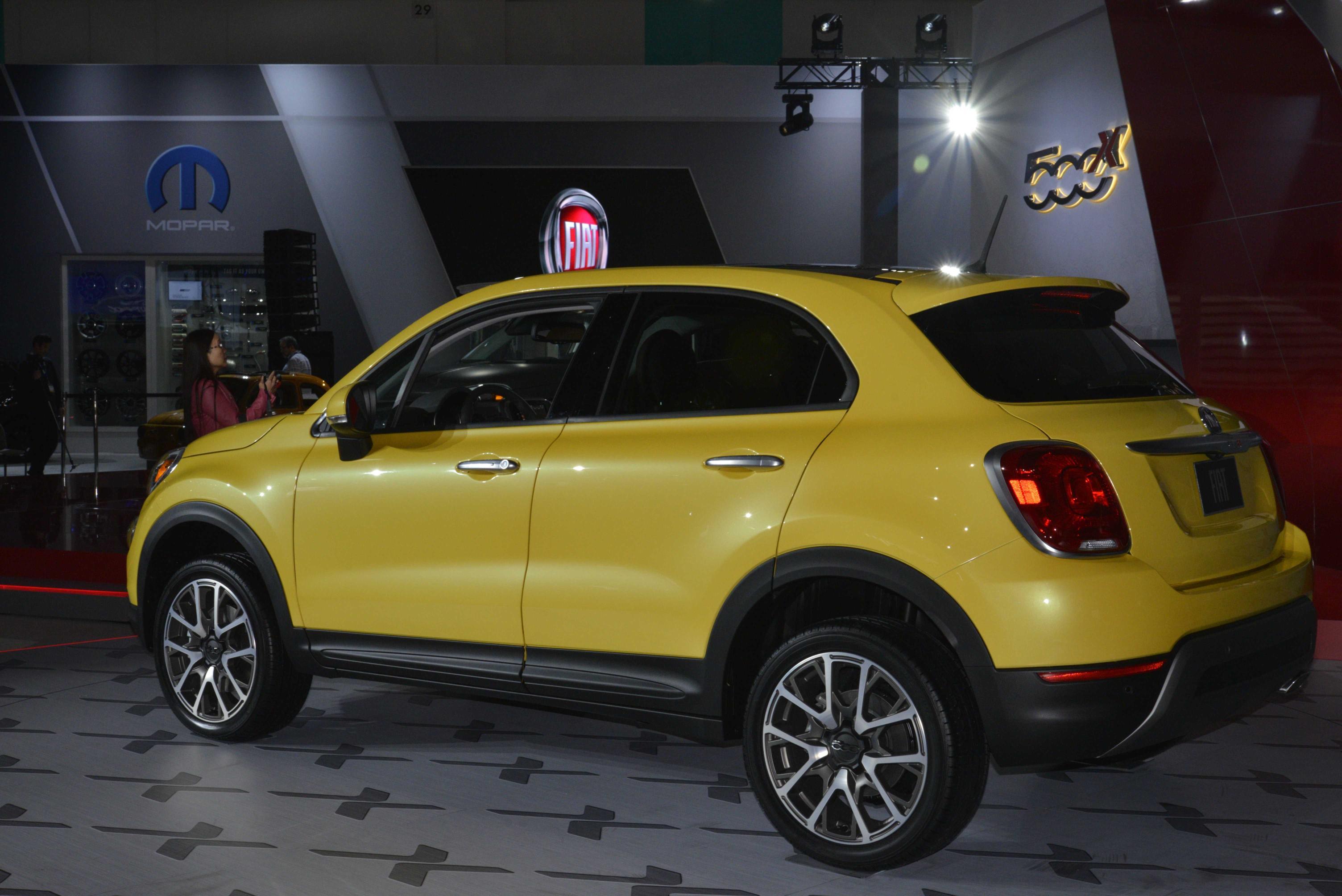 Simple 2016 Fiat 500X Expands 500 Lineup At The LA Auto Show Video Live