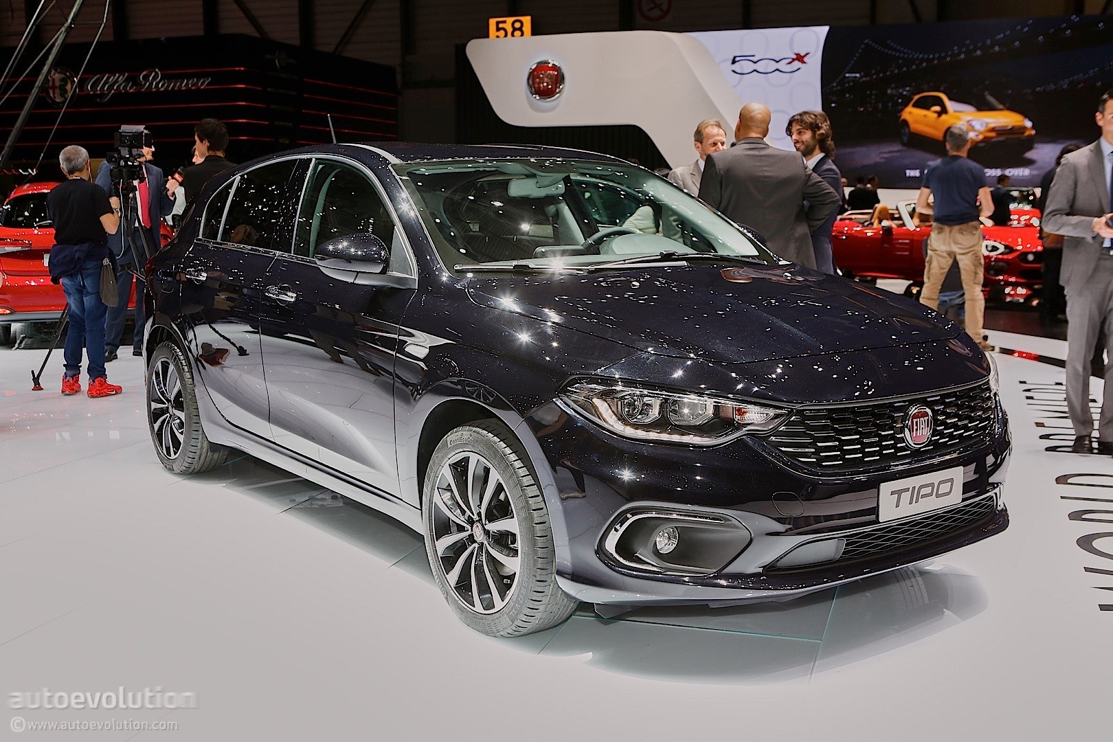 Fiat Tipo Comes In Hatchback And Estate Flavors At The Geneva Motor Show