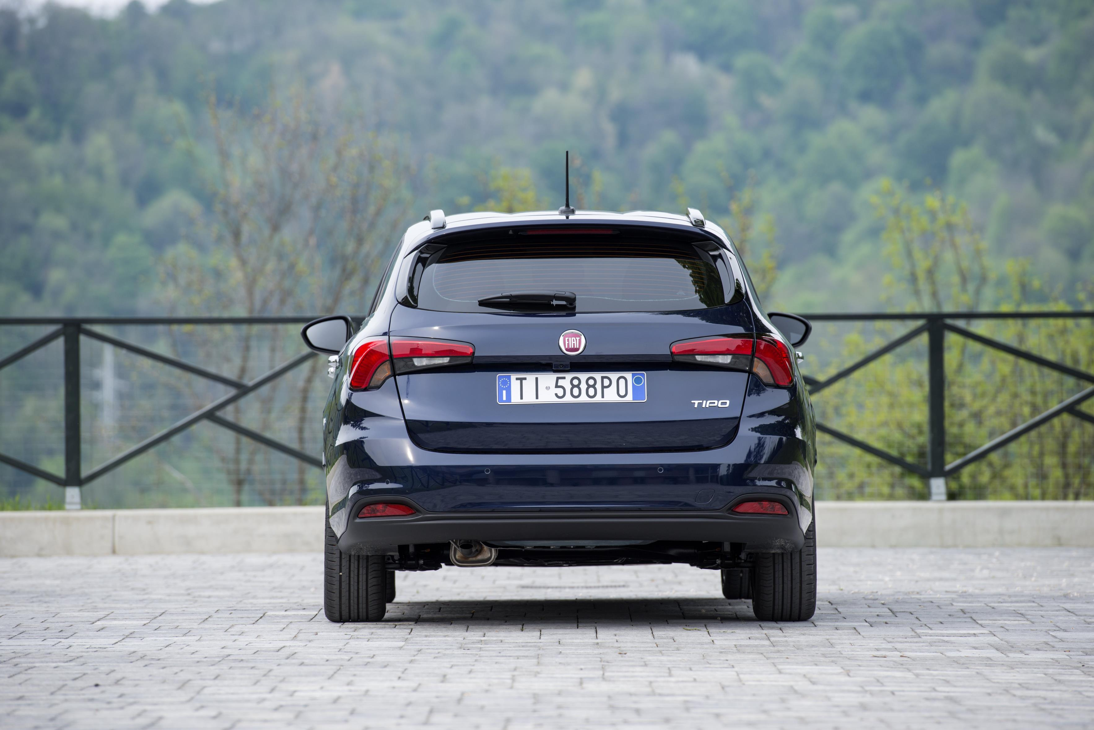 2016 fiat tipo hatchback and station wagon priced in the uk autoevolution. Black Bedroom Furniture Sets. Home Design Ideas