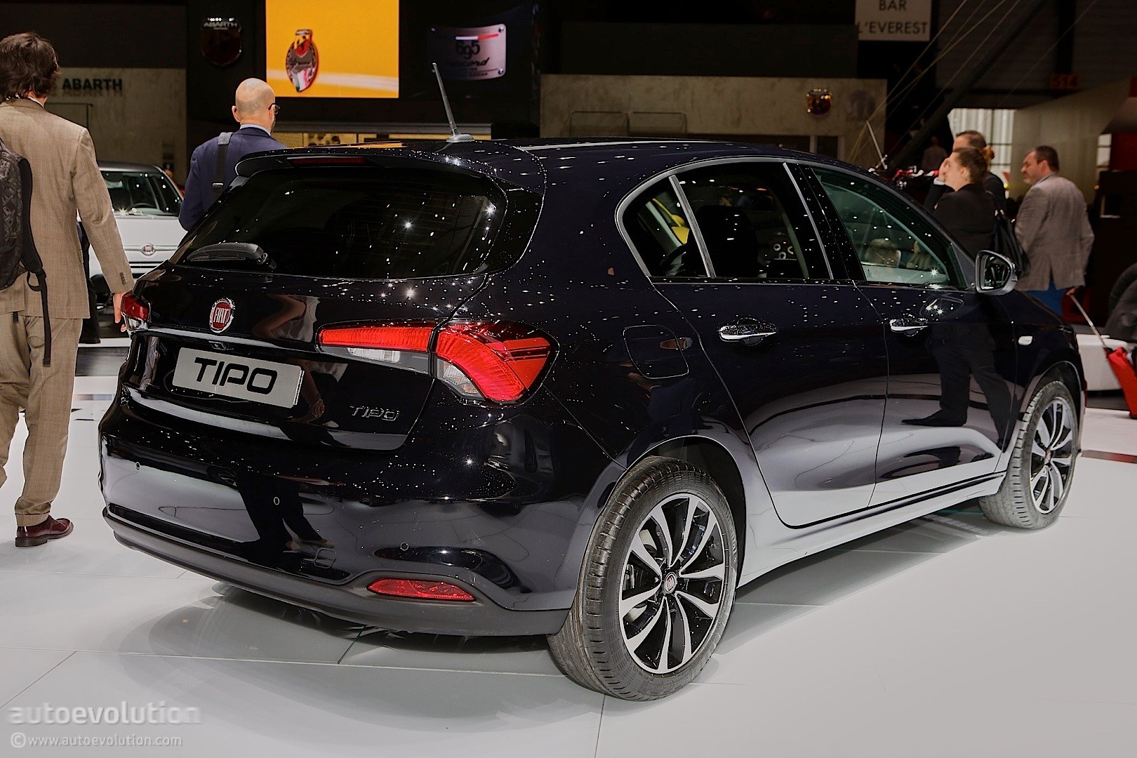 2016 fiat tipo hatchback priced at 12 750 in italy station wagon at 15 900 autoevolution. Black Bedroom Furniture Sets. Home Design Ideas