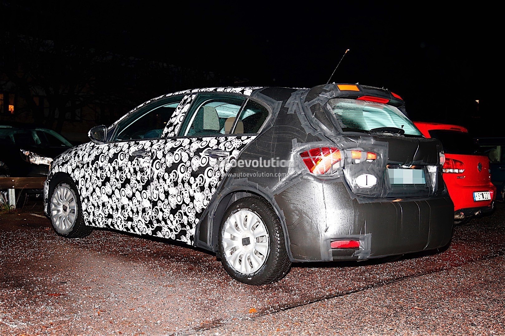 2016 fiat tipo hatchback spied looking ready to storm the. Black Bedroom Furniture Sets. Home Design Ideas