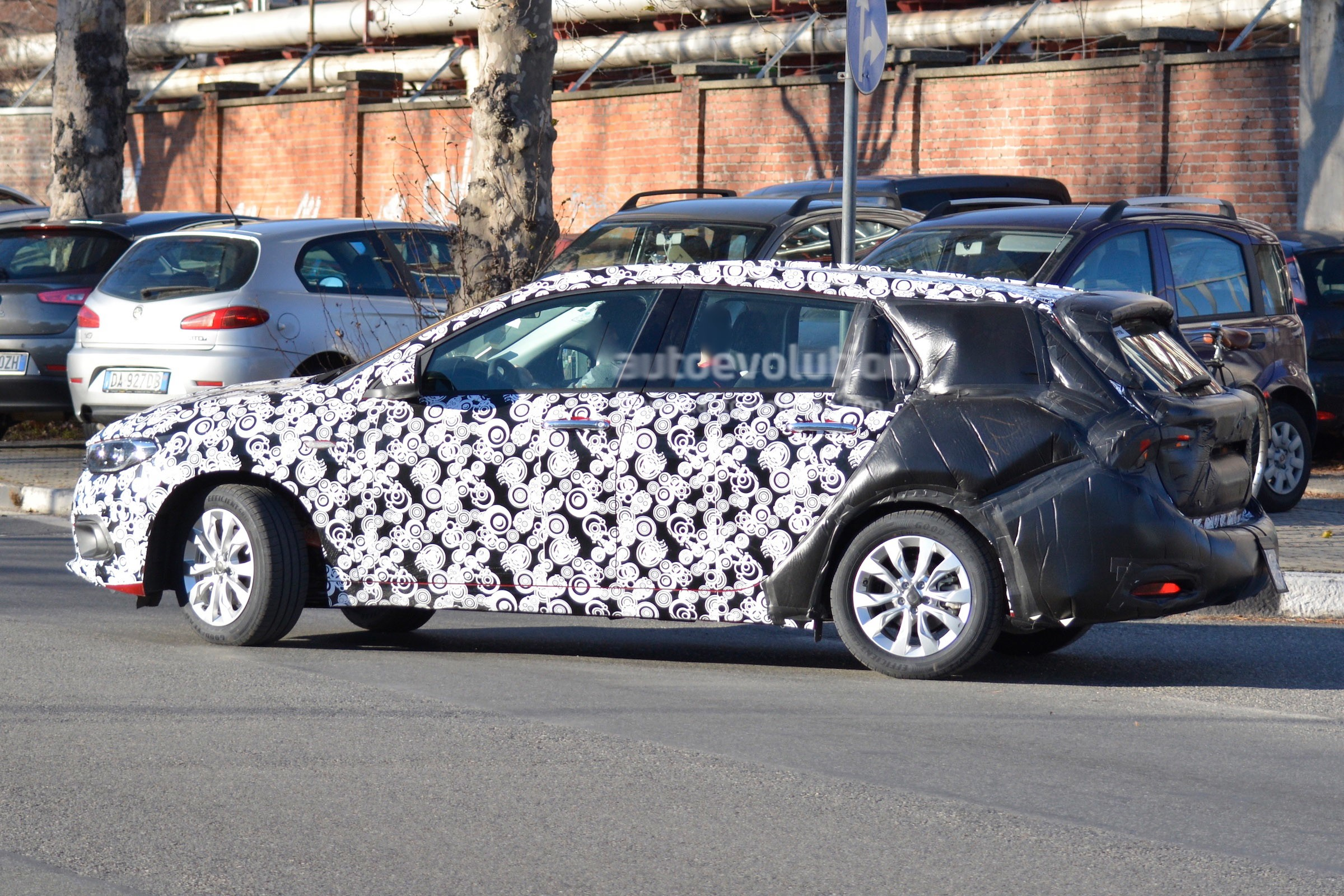 2016 Fiat Tipo Station Wagon Spied In Italy Autoevolution