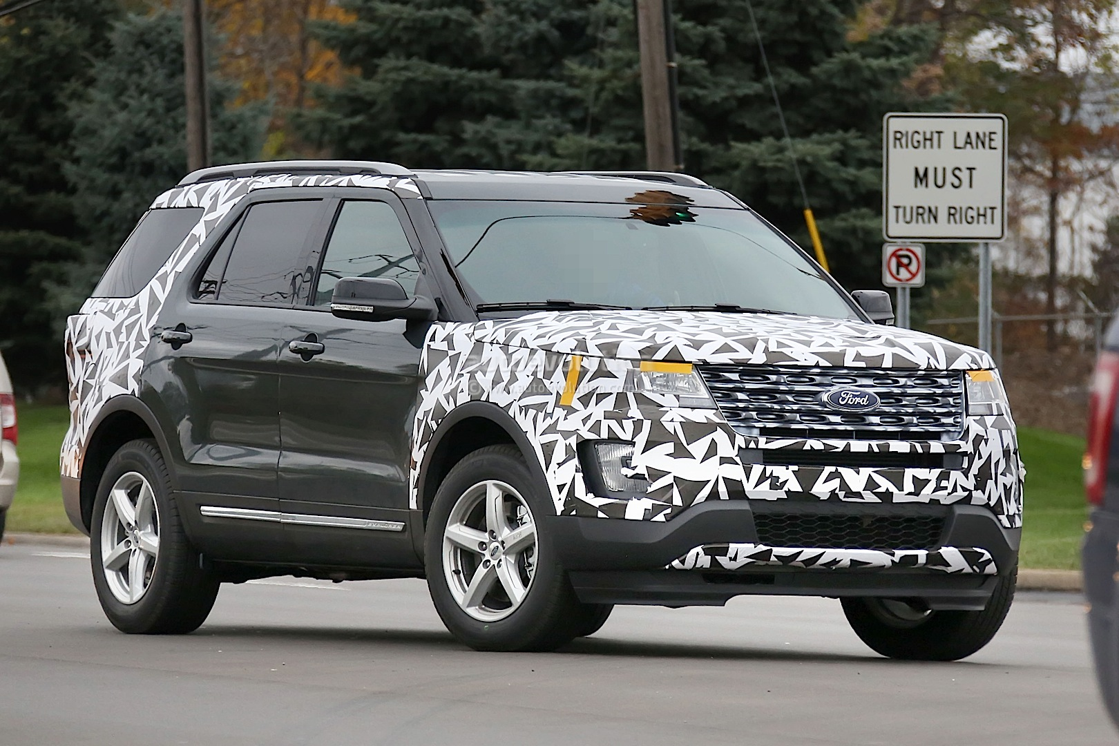 2016 Ford Explorer To Debut At The Los Angeles Auto Show
