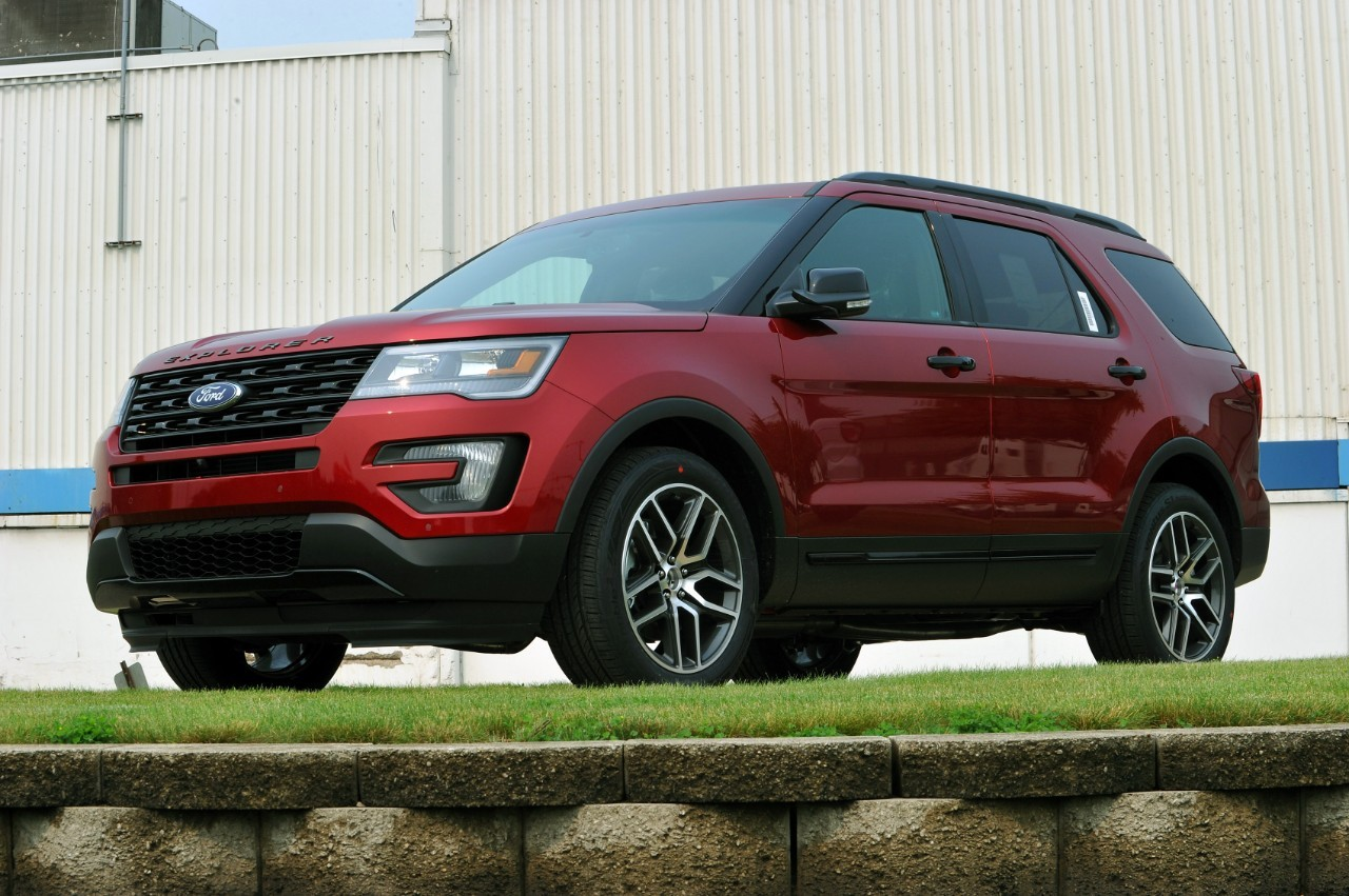 2016 ford explorer facelift starts production at chicago assembly plant autoevolution. Black Bedroom Furniture Sets. Home Design Ideas