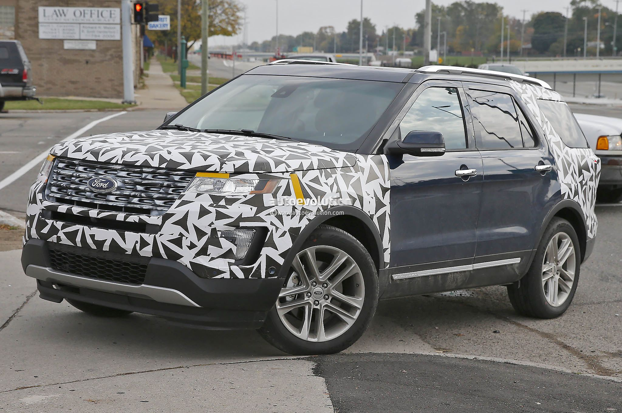 2016 Ford Explorer Spied Nearly Camo Free Autoevolution
