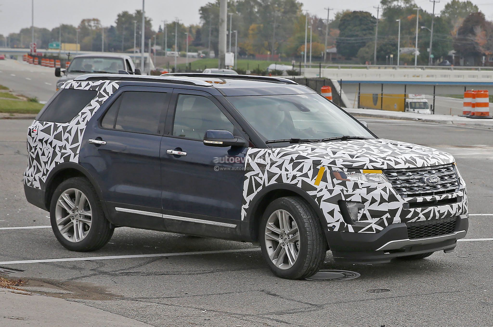 2016 Explorer Spied With Minimal Camo Ford Motor Company