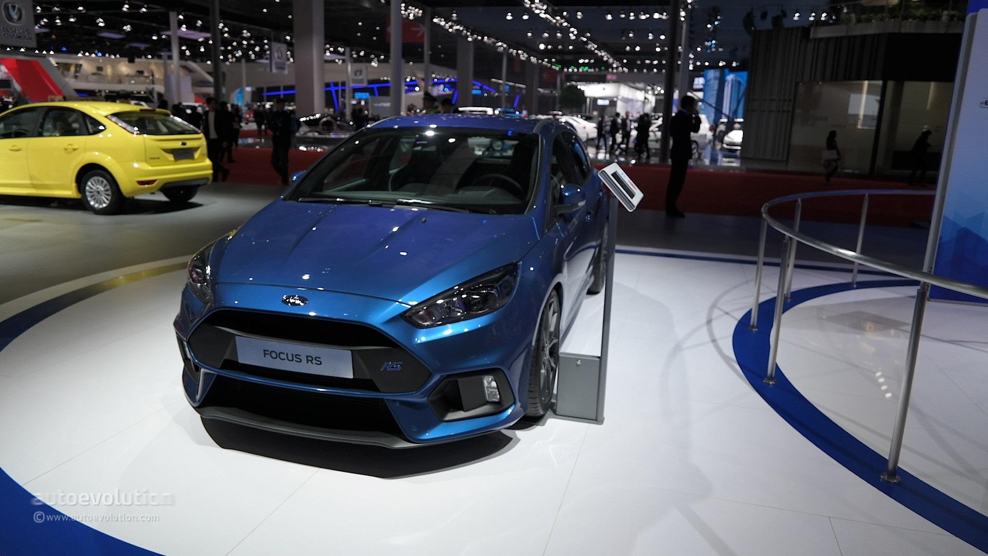 2016 ford focus rs arriving in china via the shanghai auto. Black Bedroom Furniture Sets. Home Design Ideas
