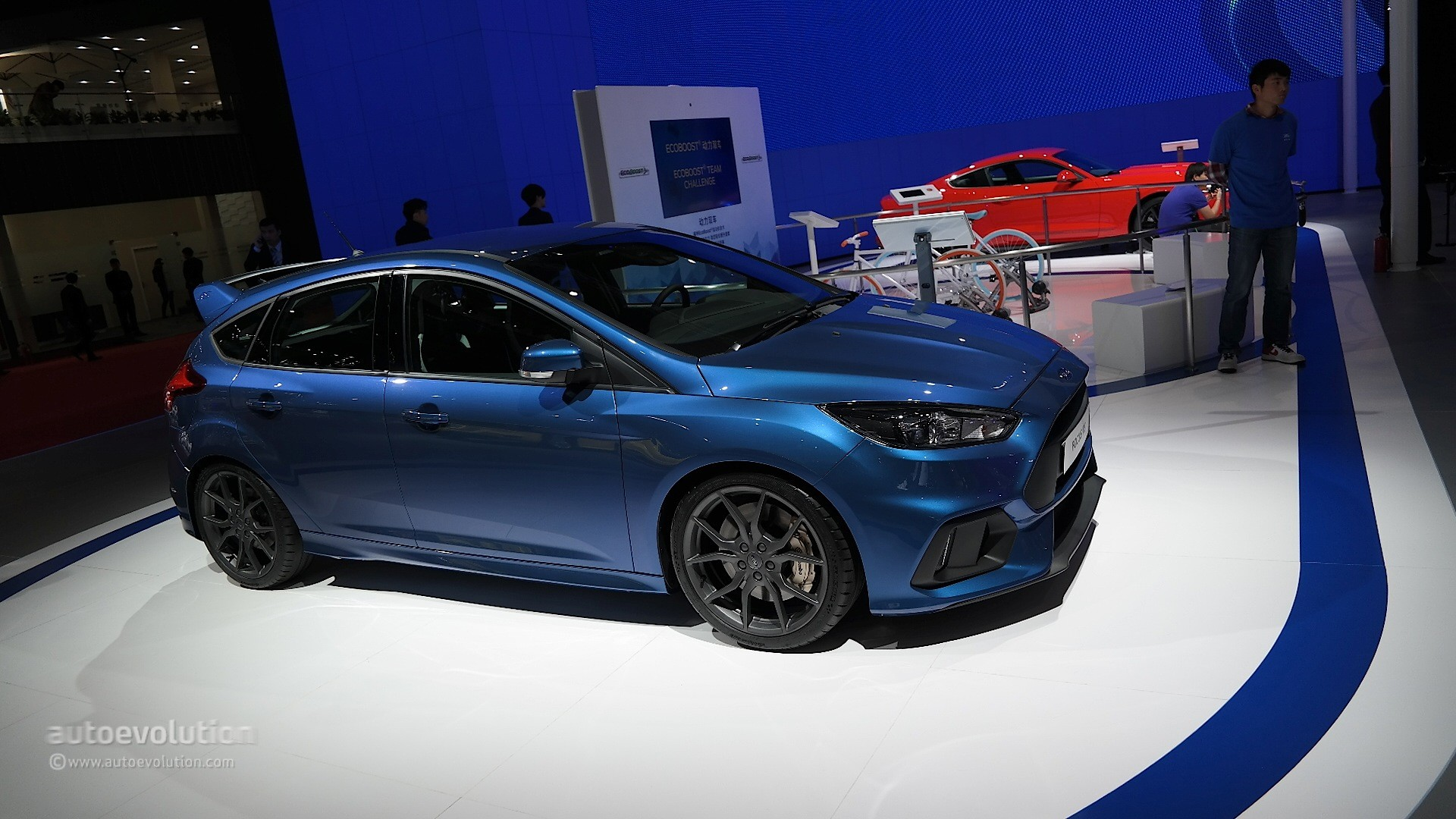 Ford Focus Rs Arriving In China Via The Shanghai Auto Show Live Photos on Volvo 2 5 Engine