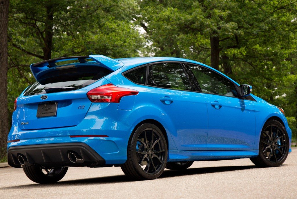 2016 ford focus rs costs nearly as much as a ford mustang gt premium autoevolution. Black Bedroom Furniture Sets. Home Design Ideas