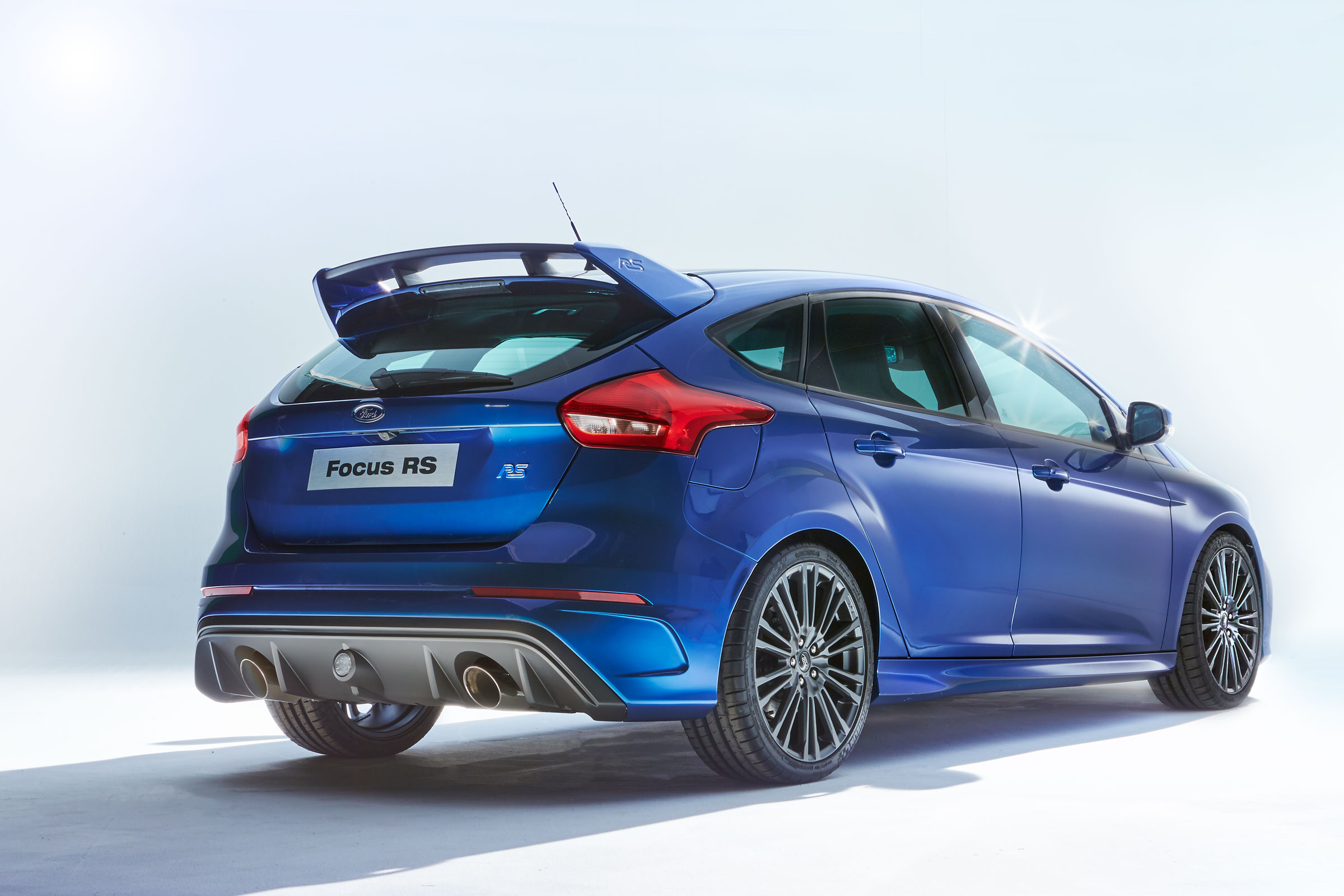 2016 ford focus rs debuts in cologne here are the official details. Black Bedroom Furniture Sets. Home Design Ideas