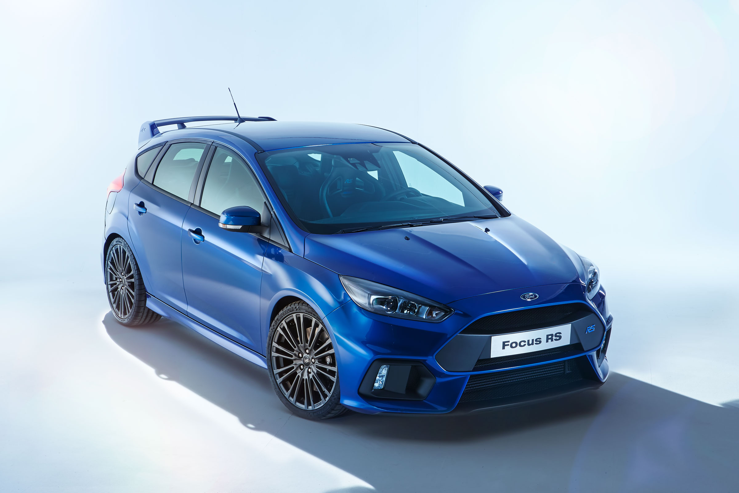 2016 Ford Focus Rs Debuts In Cologne Here Are The