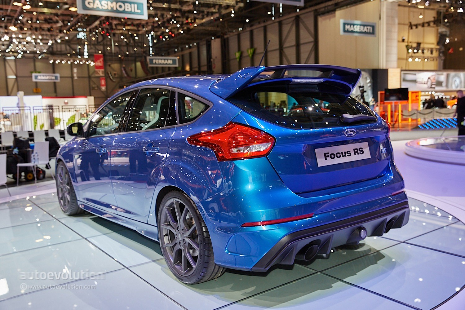 2016 Ford Focus Rs Is A Liquid Blue Hooligan S Hot Hatch