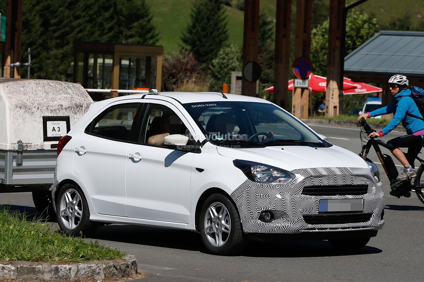 2016 ford ka spotted testing in the alps ford is preparing the hatch for europe autoevolution. Black Bedroom Furniture Sets. Home Design Ideas