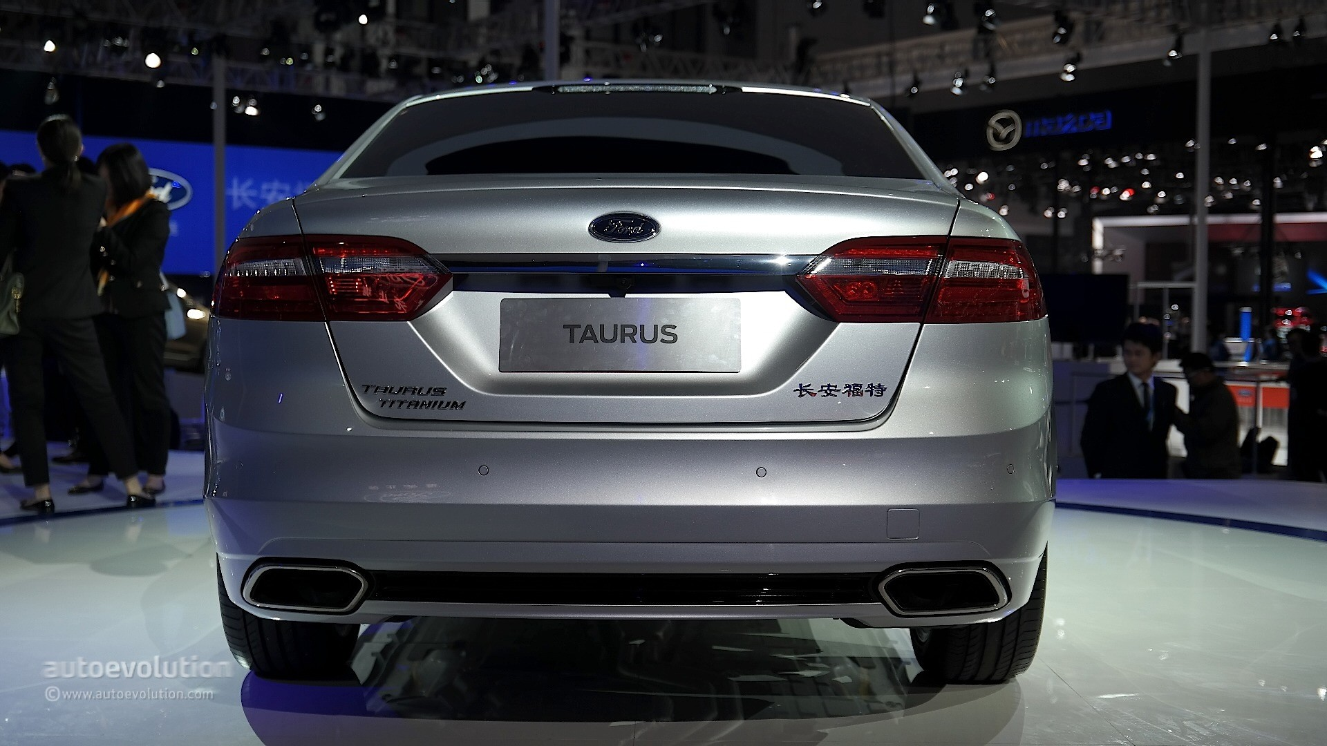 2016 Ford Taurus Shows Up In Shanghai With Long Wheelbase