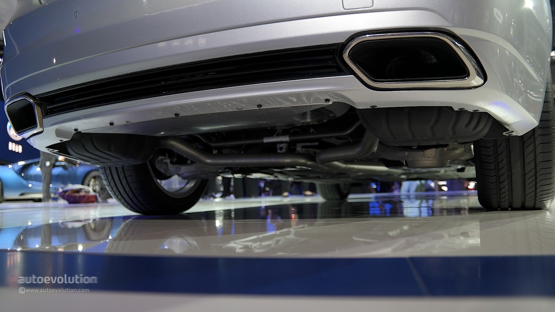 2016 Ford Taurus Shows Up in Shanghai with Long Wheelbase ...