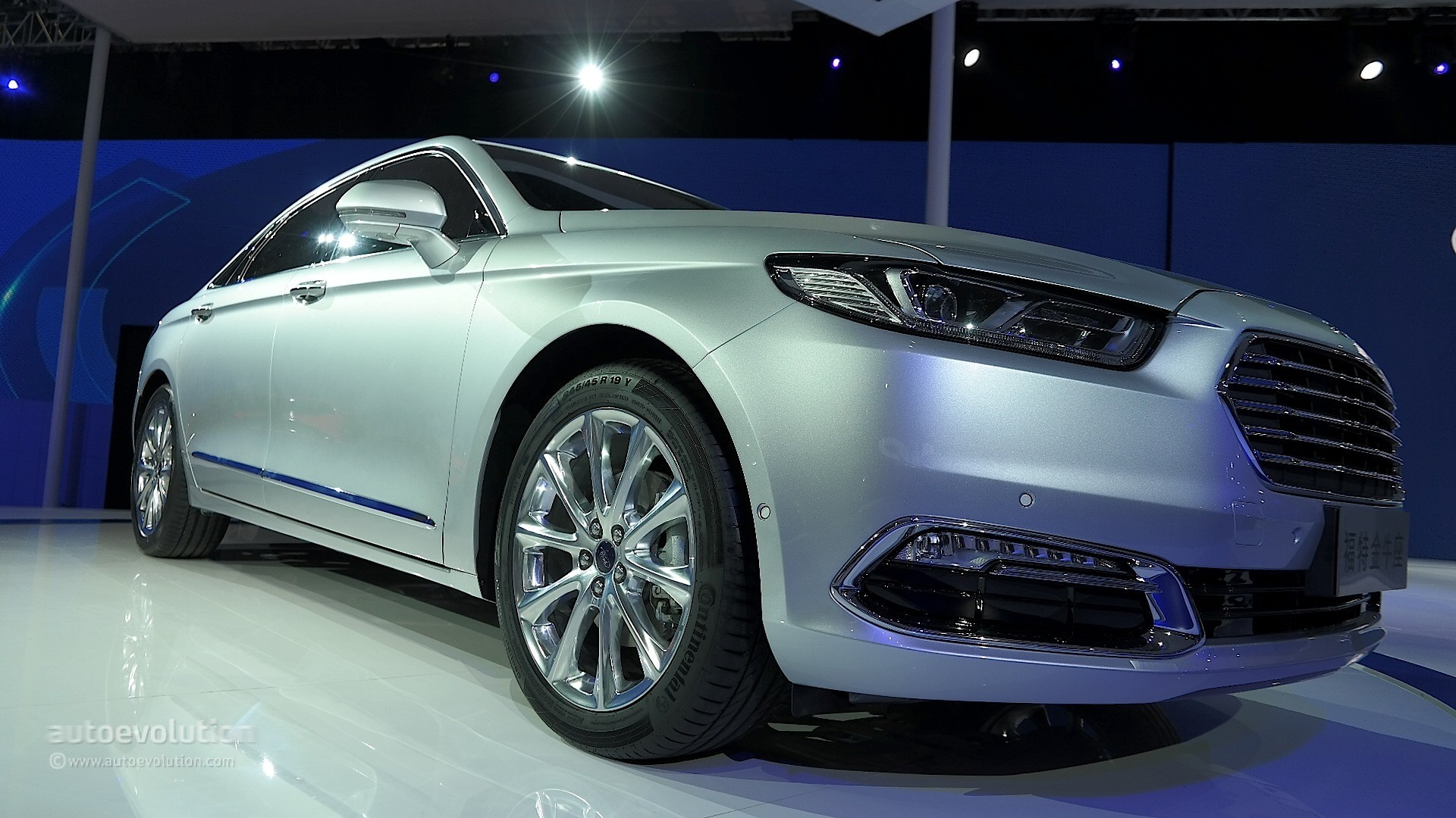 2016 ford taurus shows up in shanghai with long wheelbase premium features autoevolution. Black Bedroom Furniture Sets. Home Design Ideas