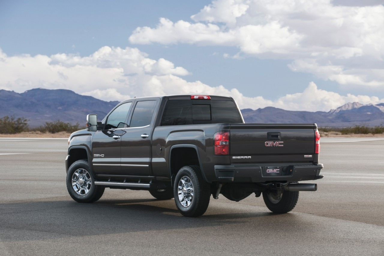 2016 gmc sierra hd ups the ante with new set of improvements autoevolution. Black Bedroom Furniture Sets. Home Design Ideas