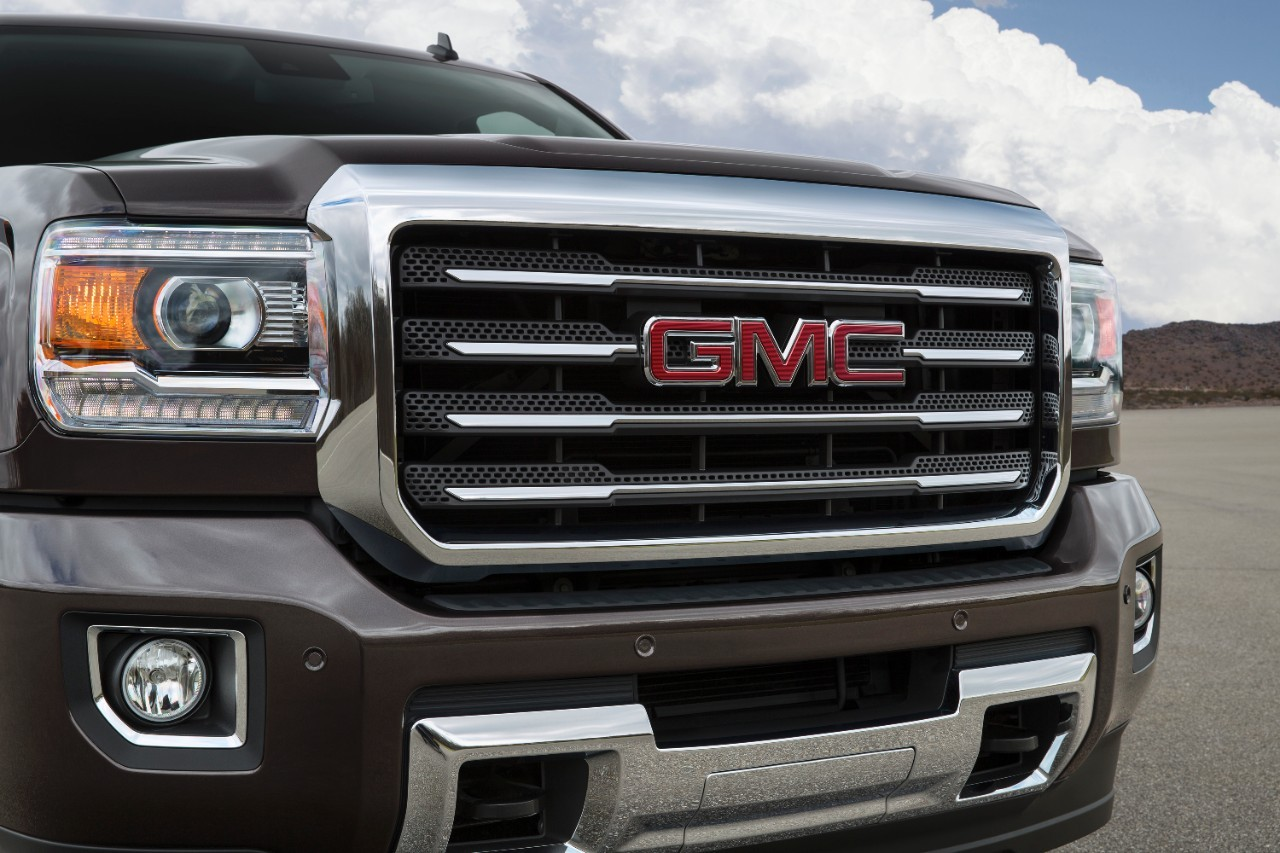 2016 gmc sierra hd ups the ante with new set of. Black Bedroom Furniture Sets. Home Design Ideas