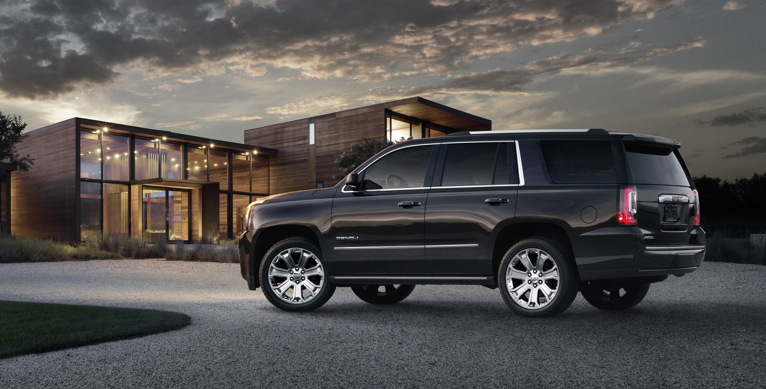 yukon gmc across range updated autoevolution tahoe them