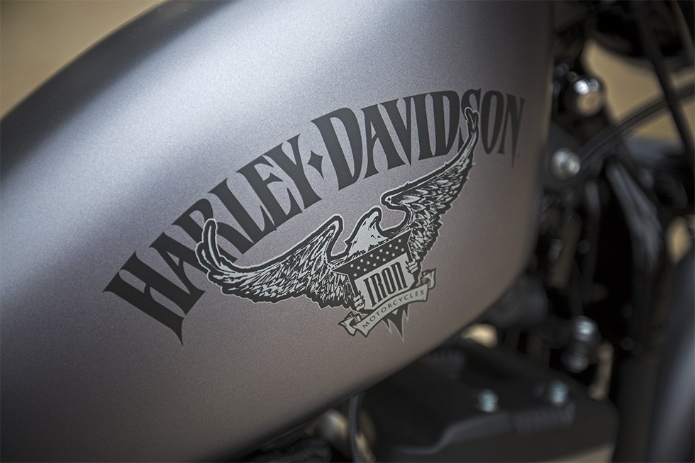 2016 Harley Davidson Iron 883 Receives Suspension Upgrades Autoevolution