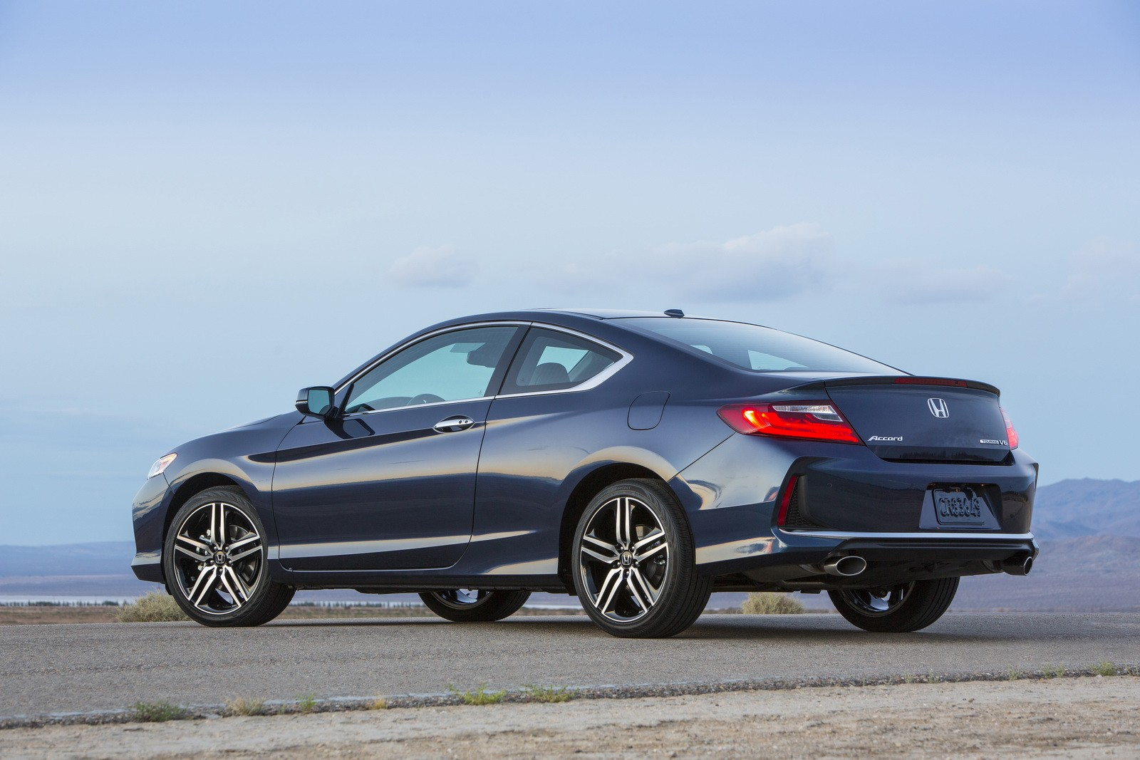 2016 honda accord coupe facelift holds both visual and. Black Bedroom Furniture Sets. Home Design Ideas