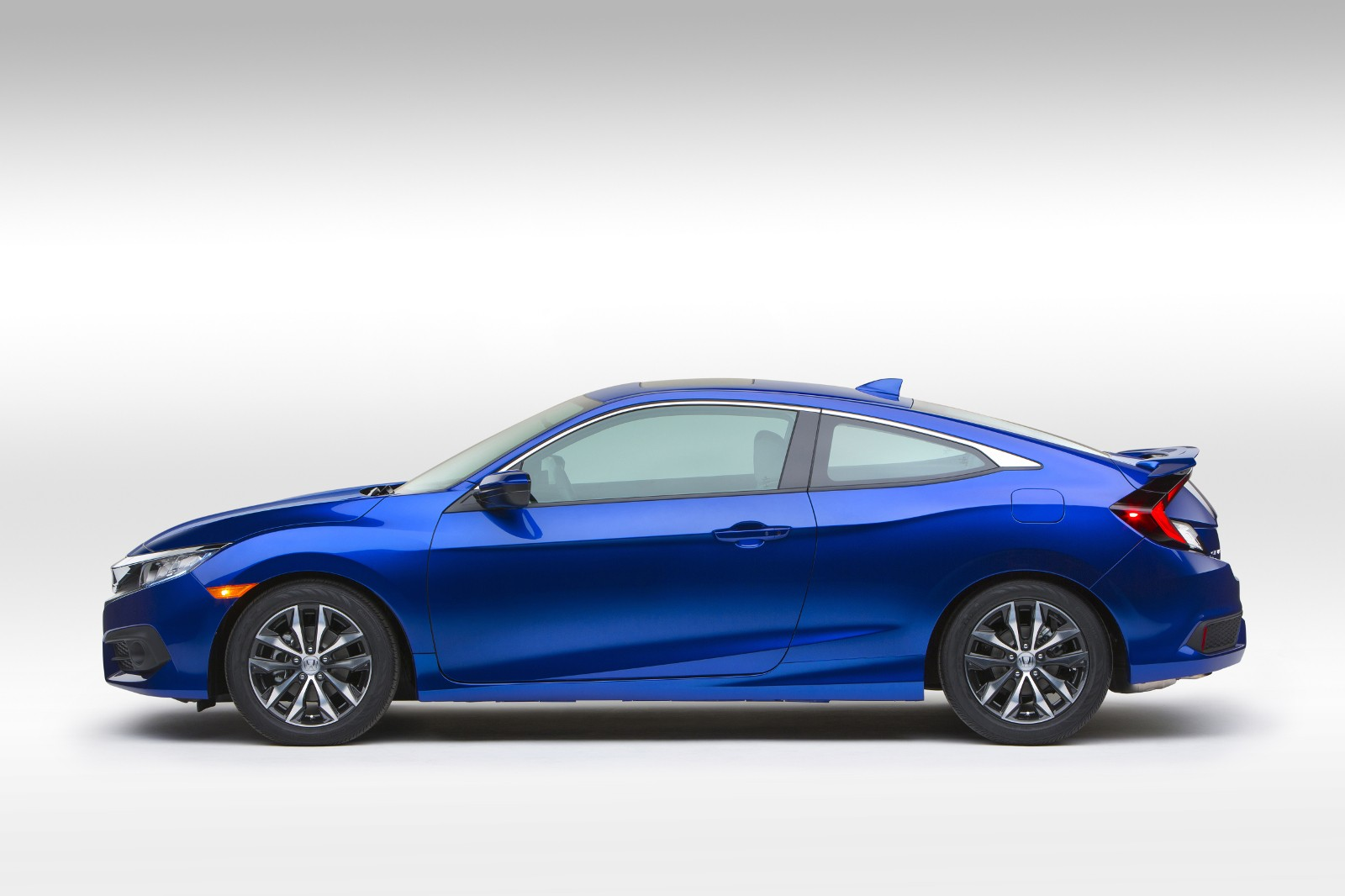 2016 Honda Civic Coupe Revealed with Bigger Cabin, Turbo Engine