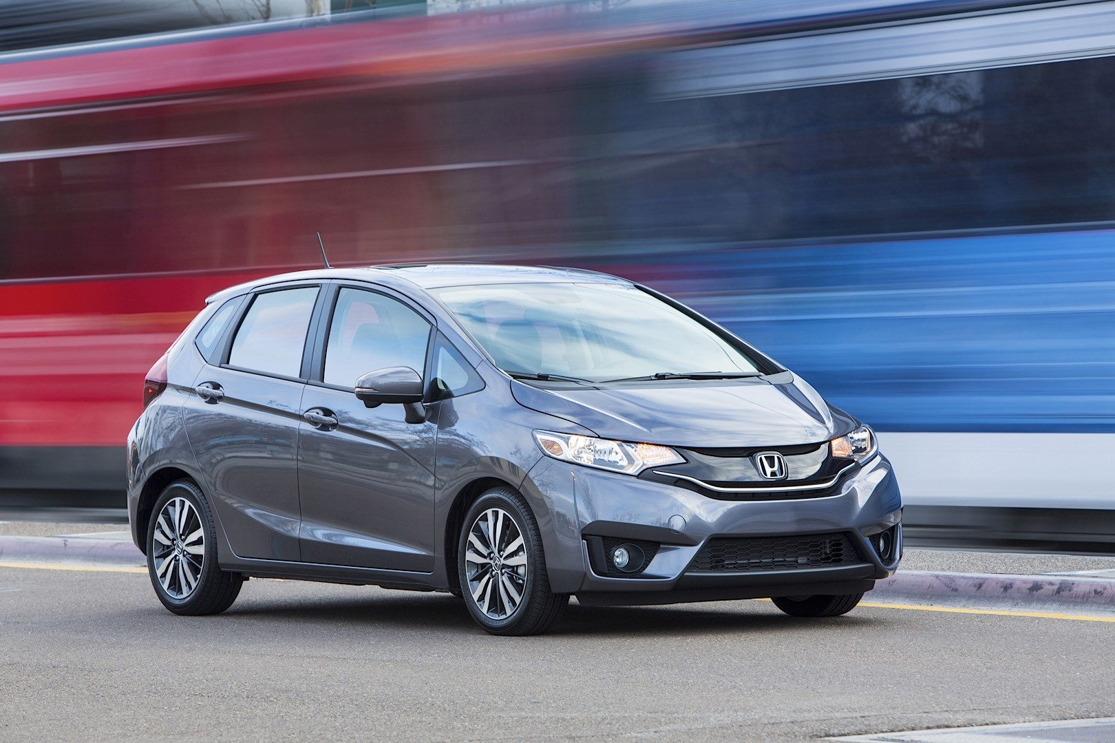 2016 honda fit goes on sale tomorrow with a starting sticker of 15 790 autoevolution. Black Bedroom Furniture Sets. Home Design Ideas
