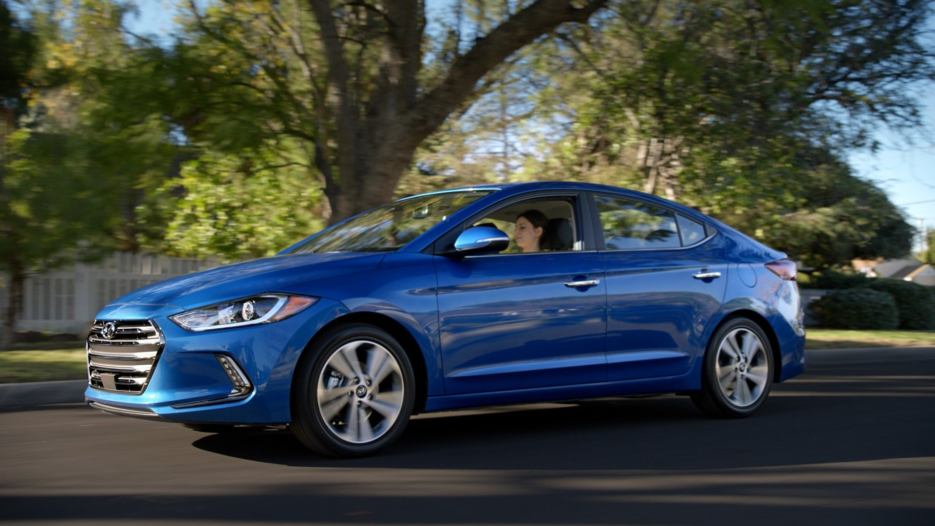 Hyundai Elantra Coupe >> 2016 Hyundai Super Bowl Ads Feature Ryan Reynolds, Talking Bears and the Elantra - autoevolution