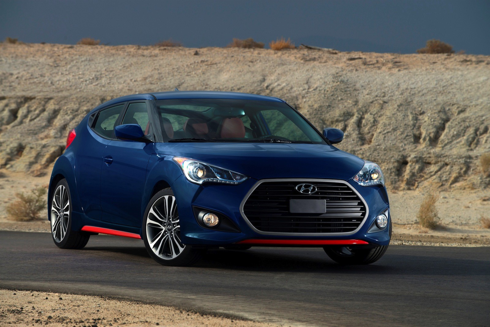 2016 hyundai veloster and veloster turbo unveiled with. Black Bedroom Furniture Sets. Home Design Ideas
