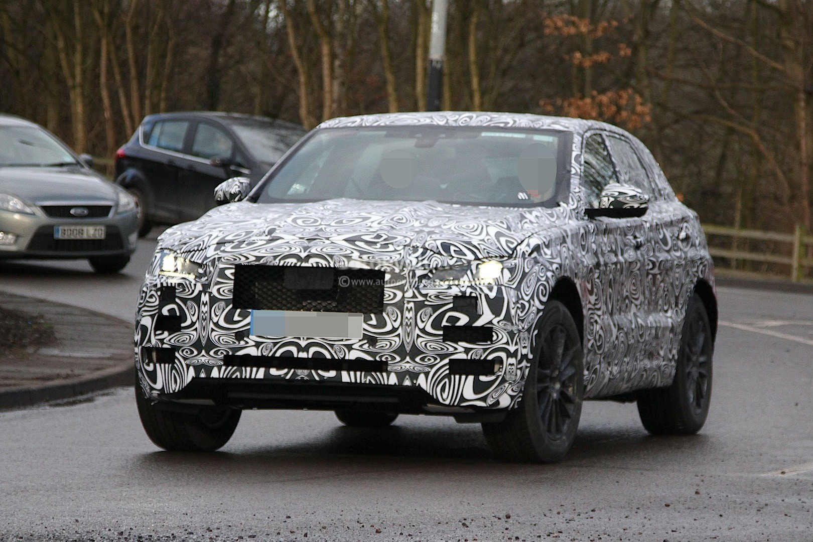 2016 Jaguar F-Pace SUV Spied Inside and Out - autoevolution