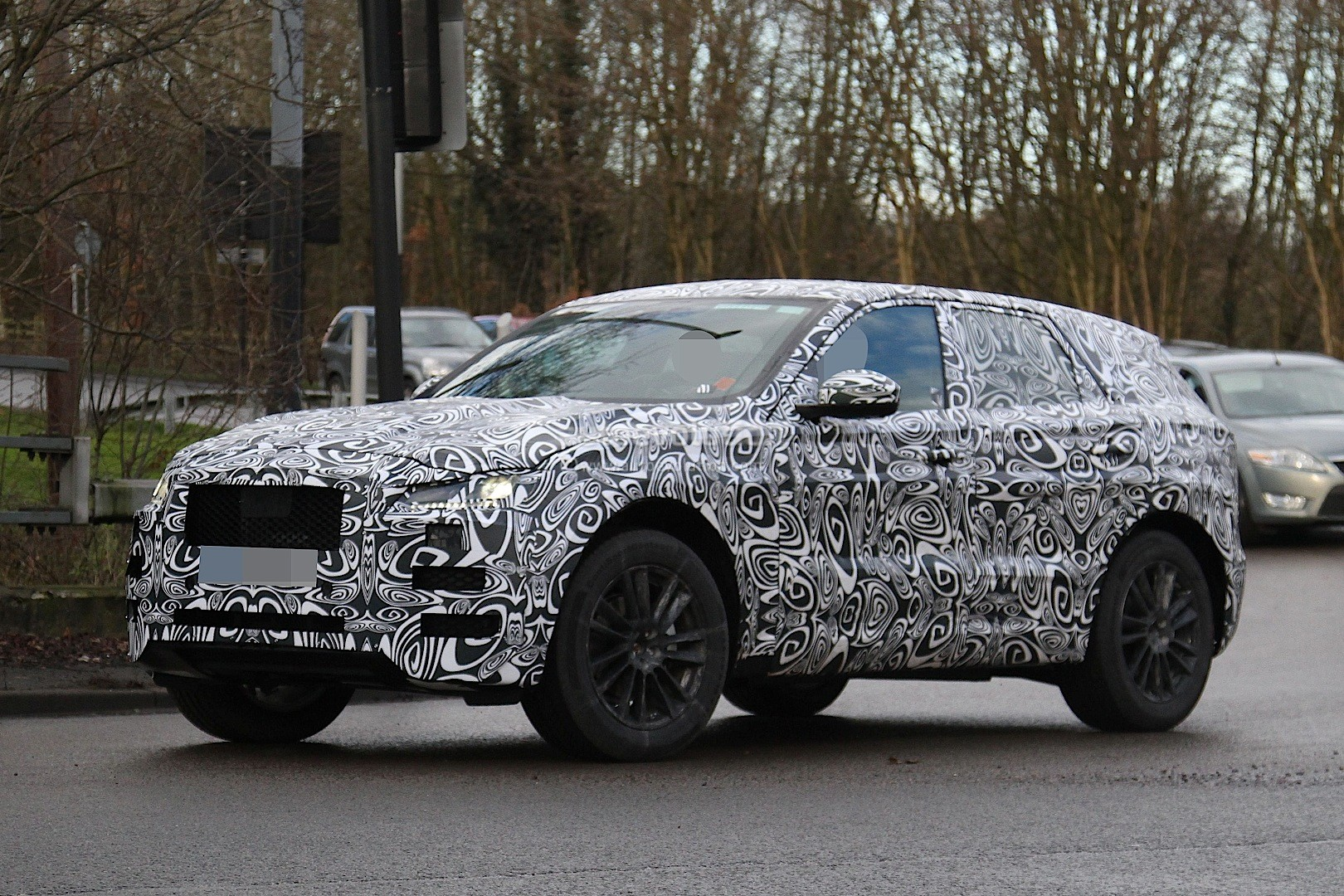 2016 Jaguar F Pace Suv Spied Inside And Out Autoevolution